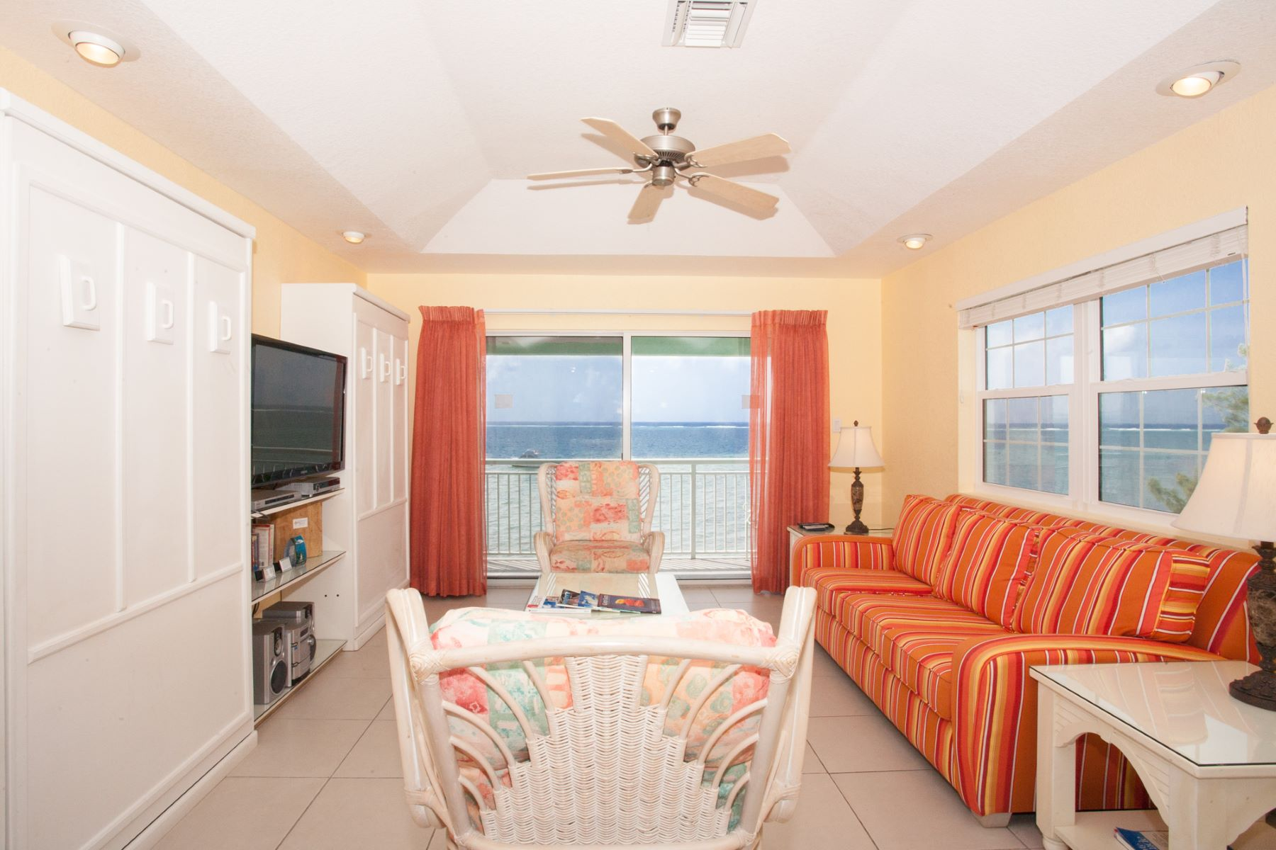 Additional photo for property listing at Compass Point Dive Resort Compass Point #316 342 Austin Conolly Dr 东区, 大开曼岛 KY1 开曼群岛