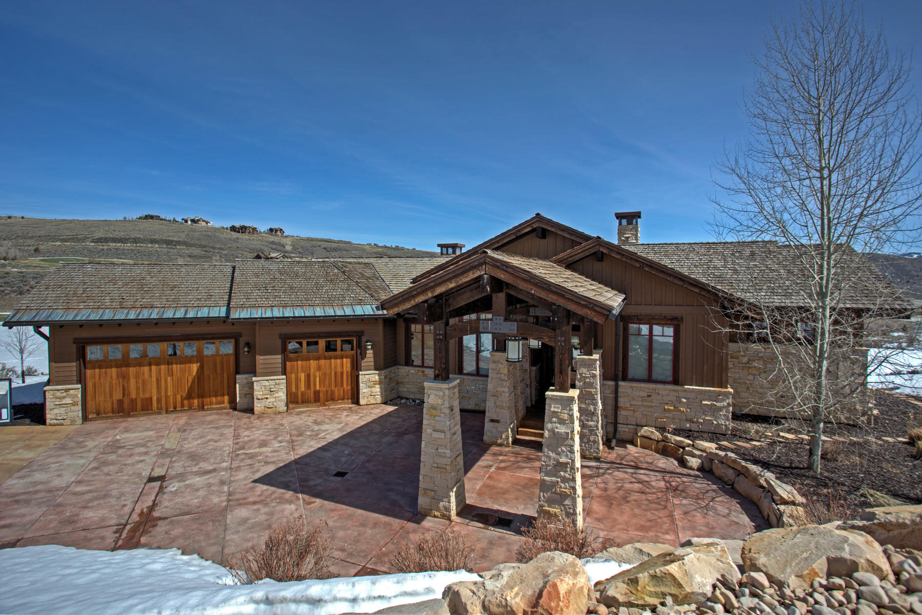 Maison unifamiliale pour l Vente à Entertainer's Dream Home with Membership Included 9110 N Uinta Dr Heber City, Utah, 84032 États-Unis