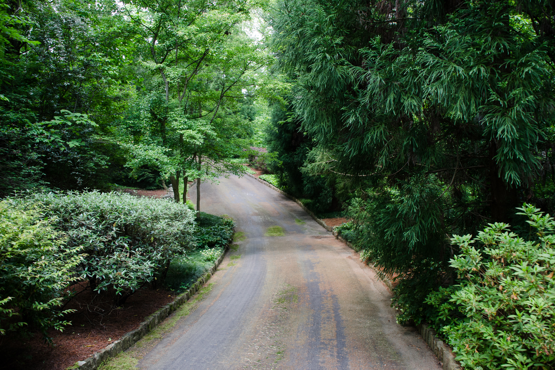 Additional photo for property listing at One Of A Kind 15 Acre Property 2100 W Wesley Road Atlanta, Georgia 30327 United States