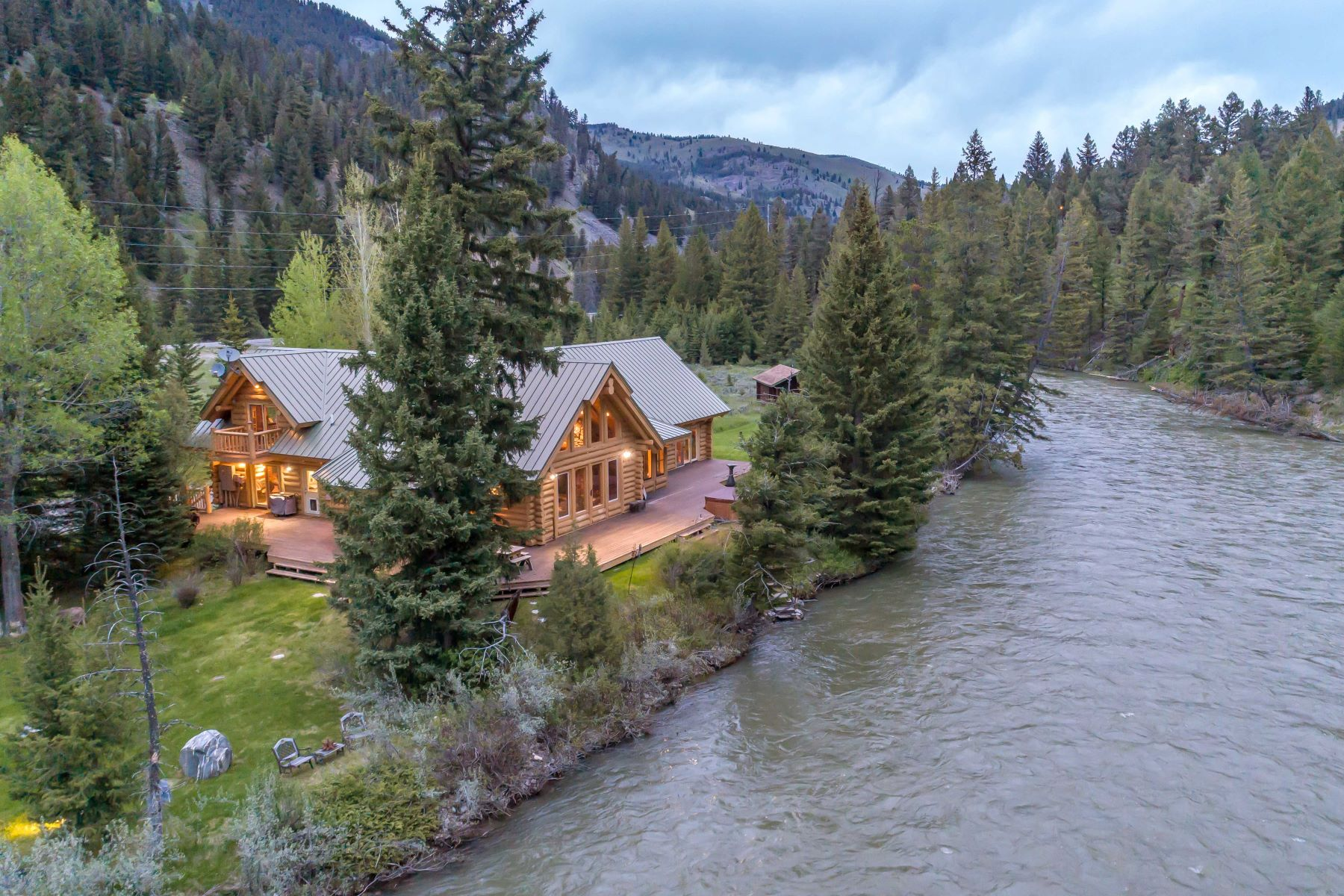Single Family Homes для того Продажа на Gallatin River Retreat 49622 Gallatin Road, Big Sky, Монтана 59730 Соединенные Штаты