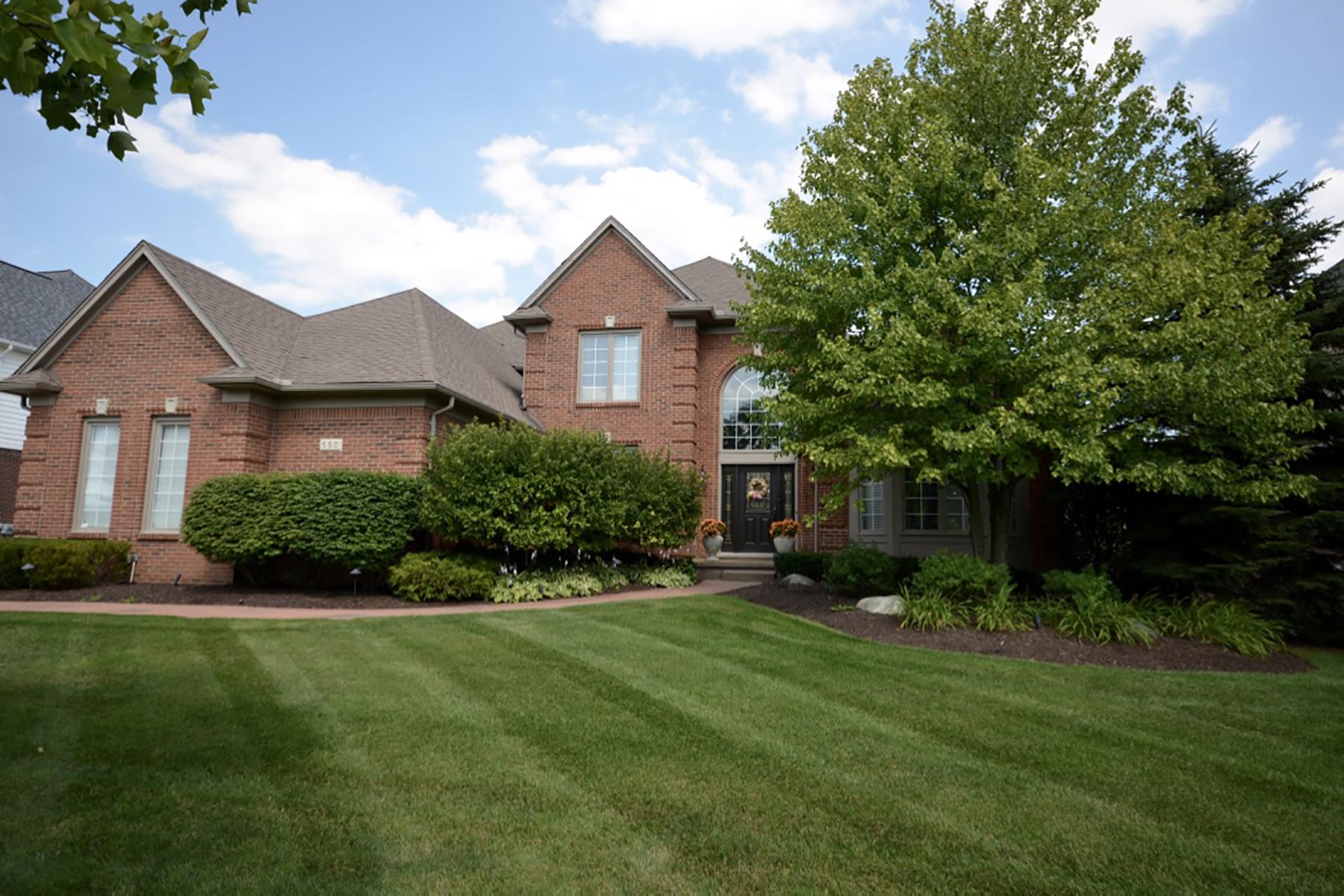 独户住宅 为 销售 在 Rochester 550 Springview Drive, 罗契斯特市, 密歇根州, 48307 美国