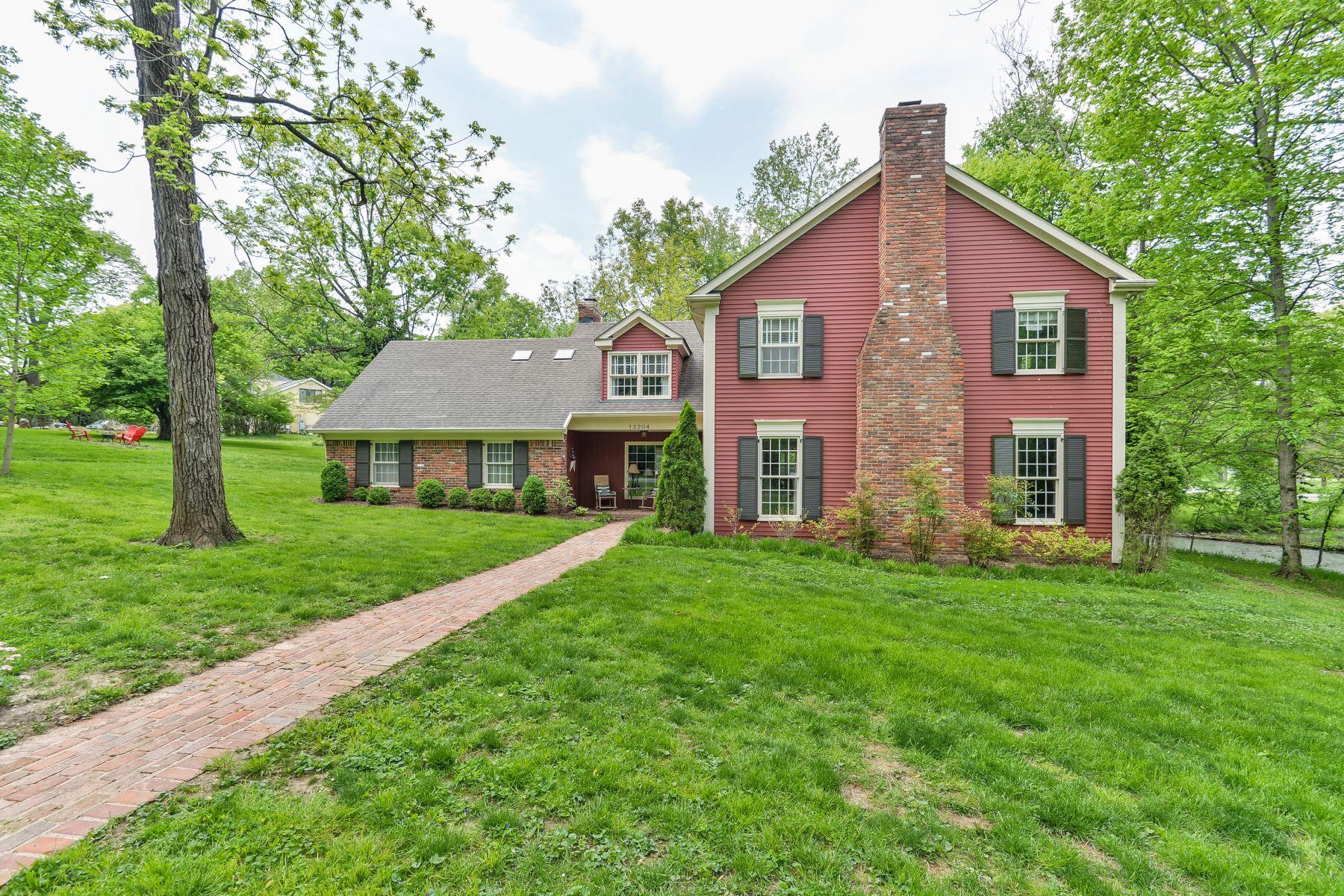 Частный односемейный дом для того Продажа на 12204 E Osage Road Anchorage, Кентукки 40223 Соединенные Штаты
