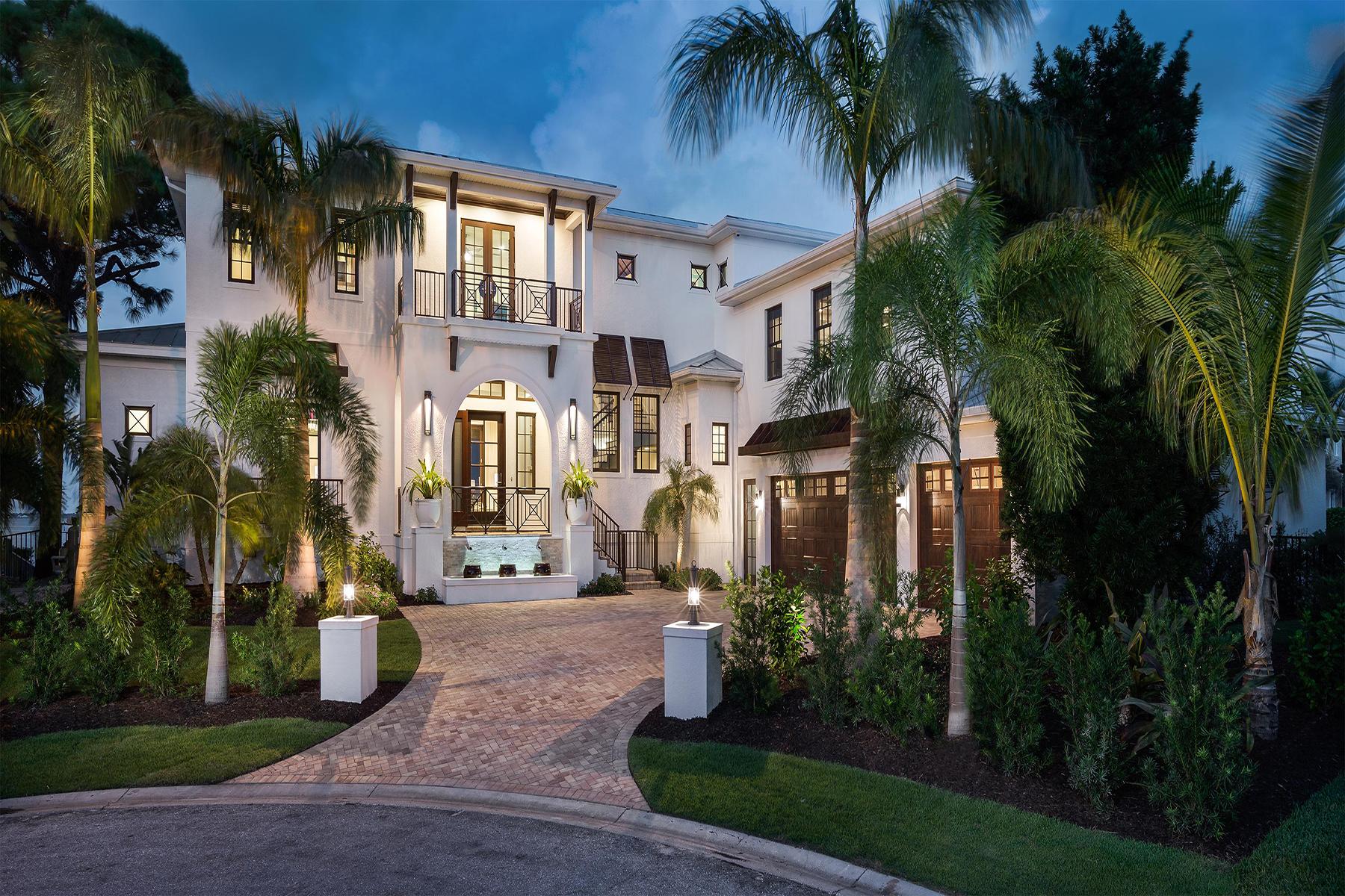 Single Family Homes für Verkauf beim 711 Casey Key Rd, Nokomis, Florida 34275 Vereinigte Staaten