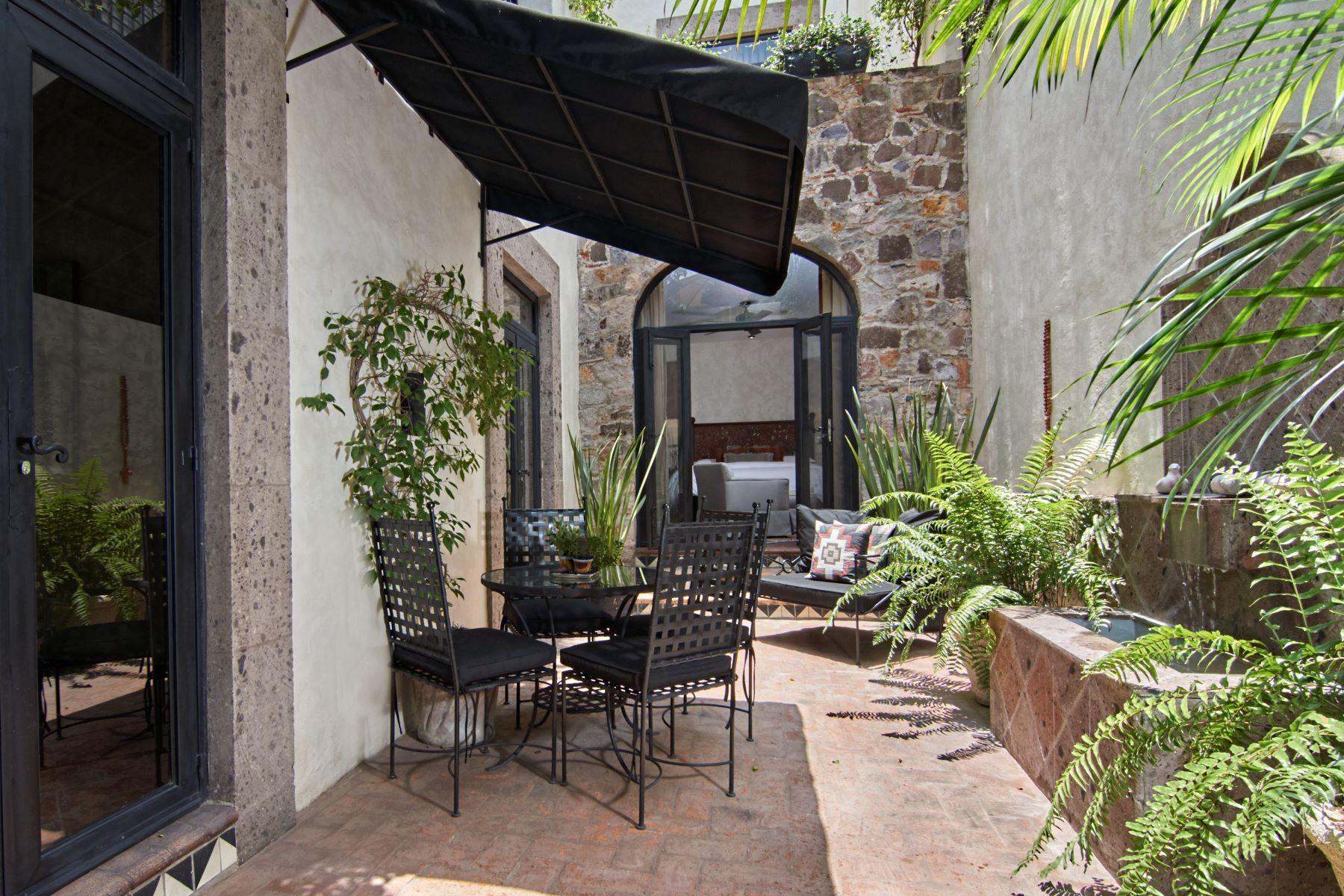 Additional photo for property listing at Casa Corazon Terraplen 36 San Miguel De Allende, Guanajuato 37700 Mexico
