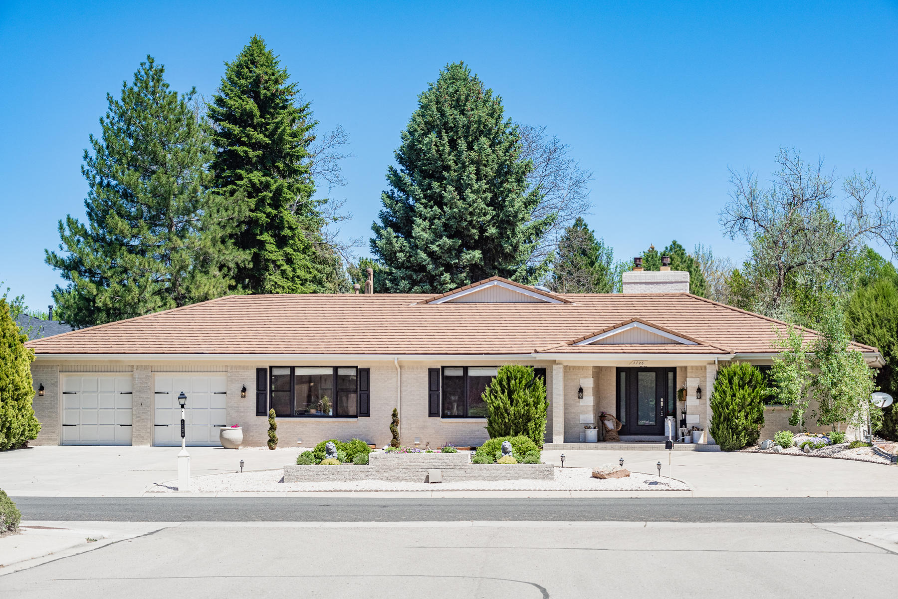 Single Family Homes for Active at Golf Enthusiast! 1126 E 4th Ave Longmont, Colorado 80504 United States