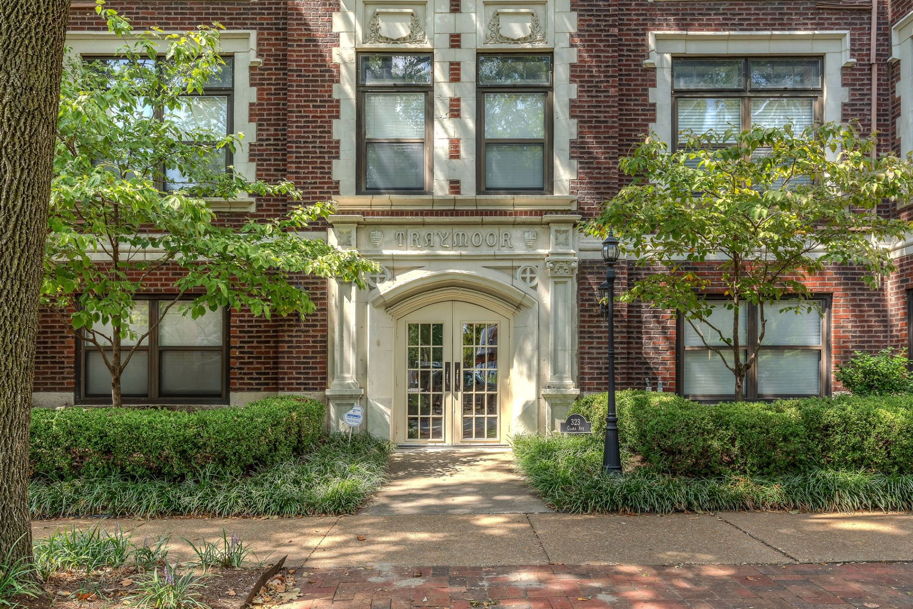 Additional photo for property listing at Clara Ave 323 Clara Ave # 32 St. Louis, Missouri 63112 United States