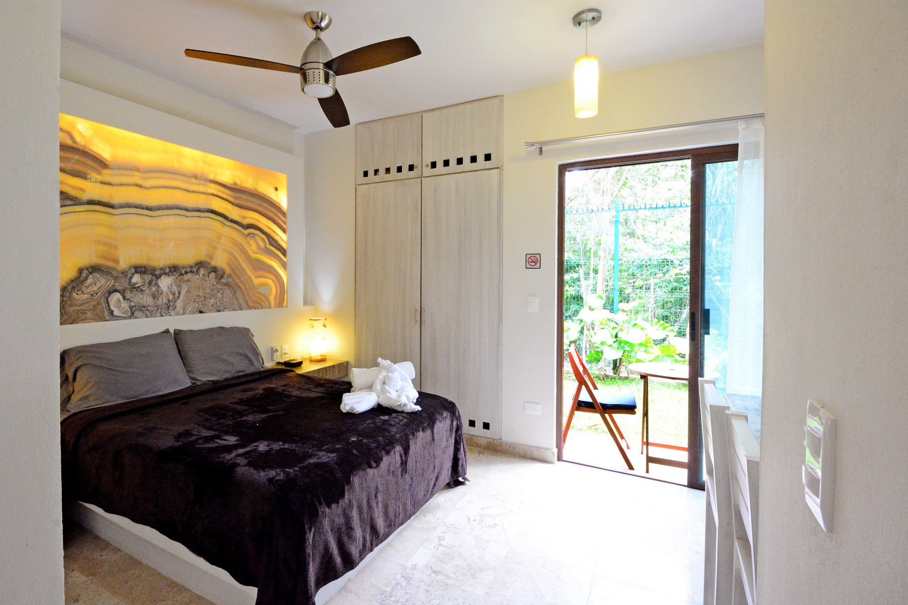 Additional photo for property listing at MODERNO EDIFICIO VISTA VERDE Neptuno Oriente, Lte 016 Tulum, Quintana Roo 77760 México