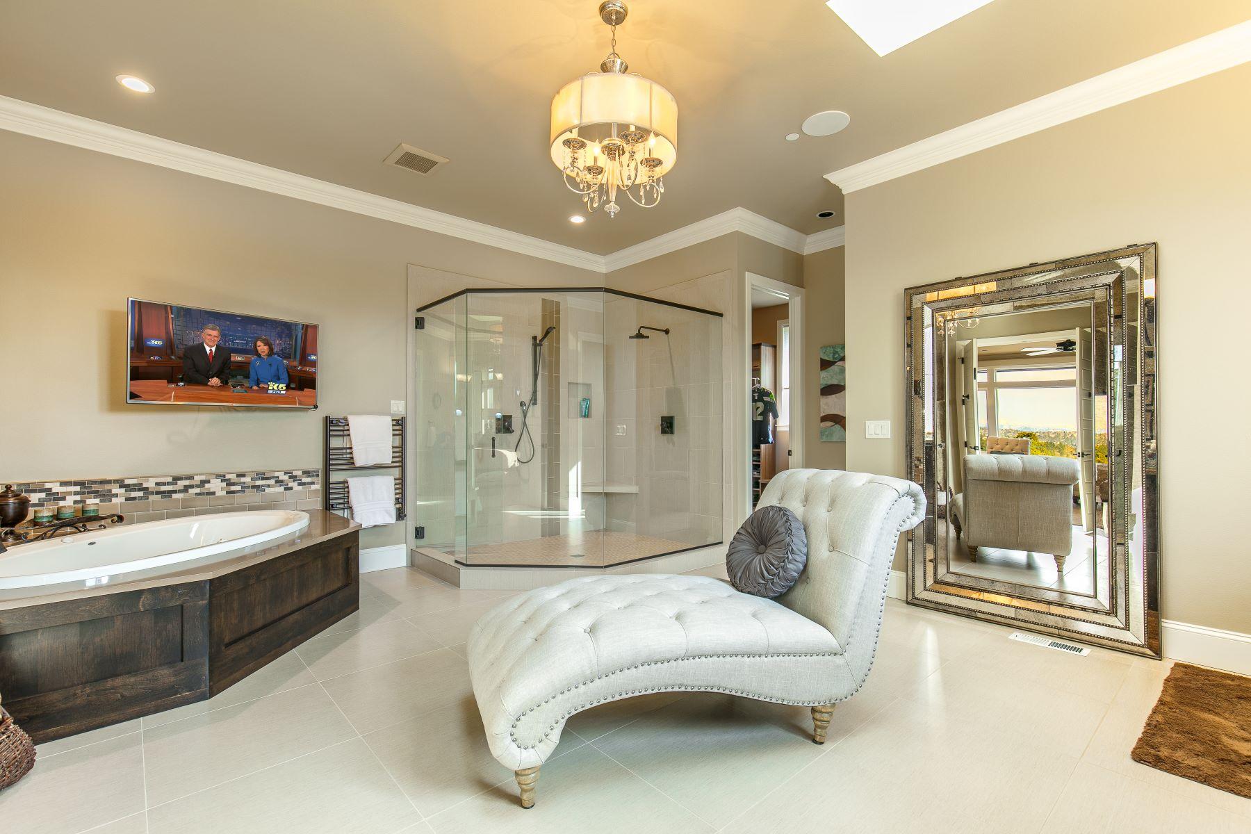 Additional photo for property listing at Exquisite Vuecrest Estate 9368 Vineyard Crst Bellevue, Washington 98004 United States
