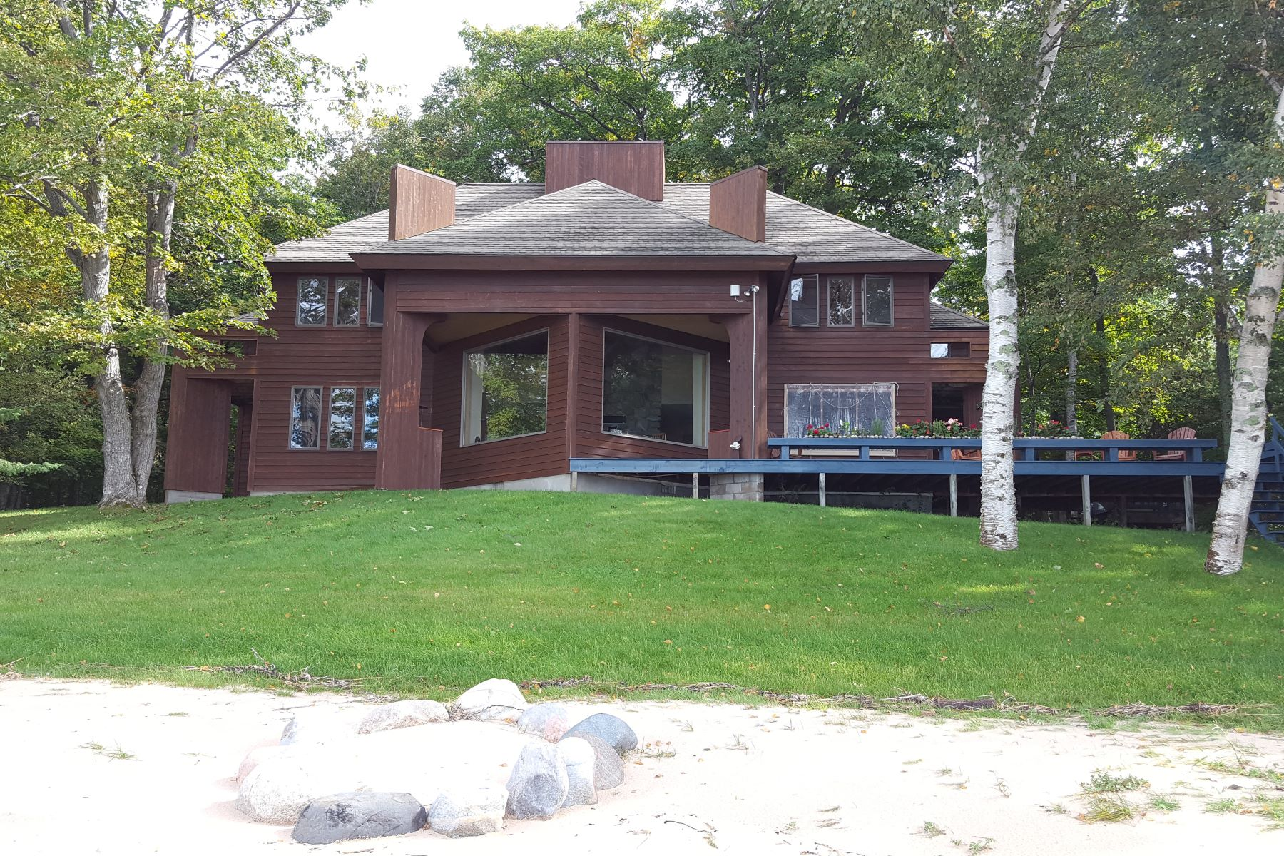 Single Family Homes for Active at 1381 North Lamkin Drive Harbor Springs, Michigan 49740 United States