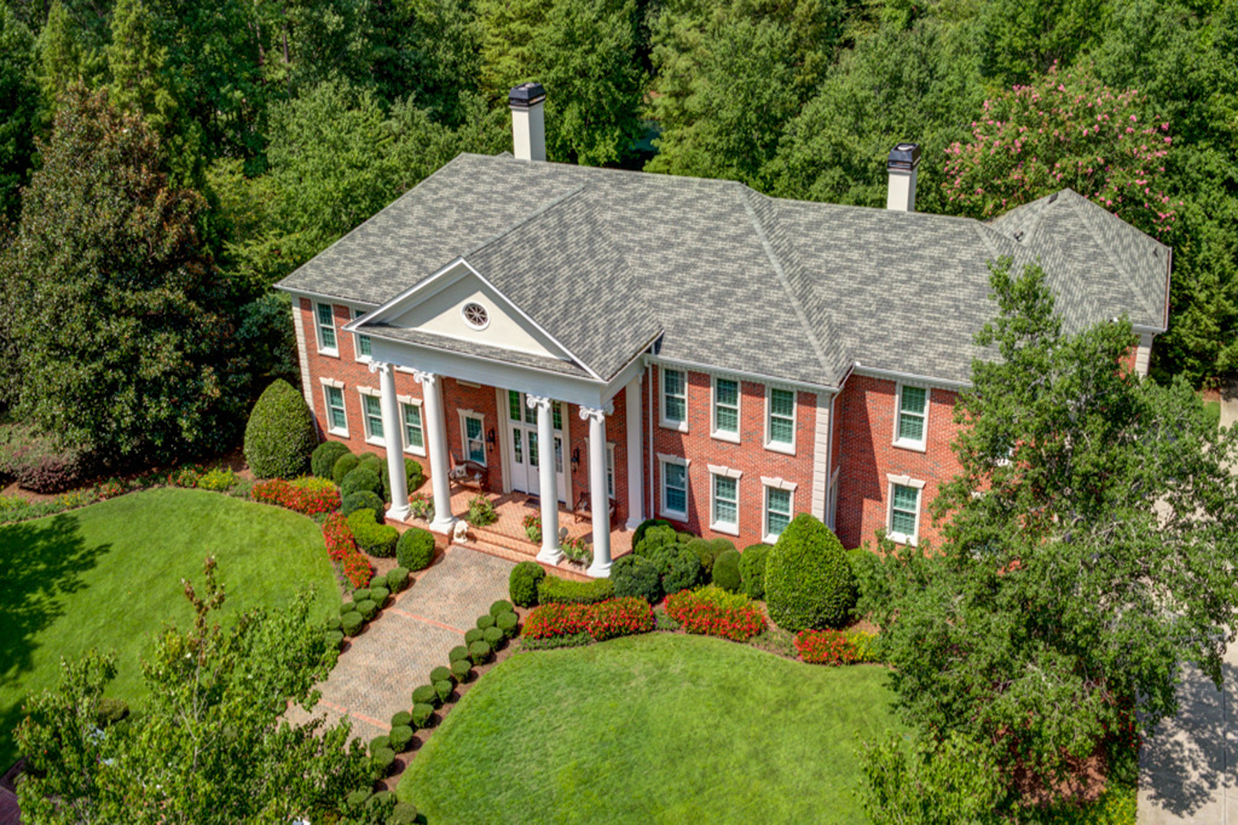 단독 가정 주택 용 매매 에 Meticulous Custom Built Home On Five Acres 4500 Candacraig Alpharetta, 조지아 30022 미국