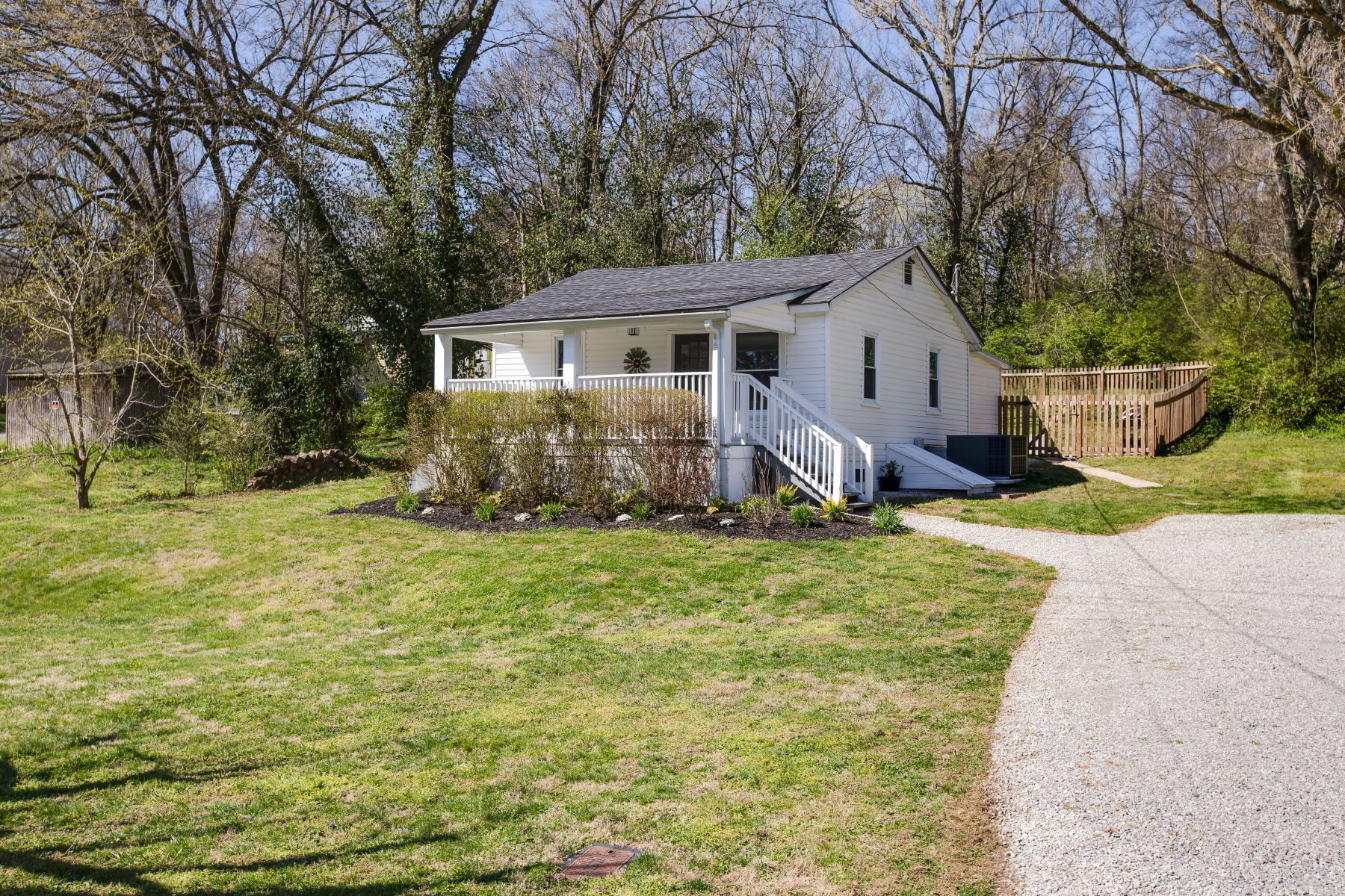 Single Family Home for Sale at Renovated Historic Cottage 129 Thompson Aly Franklin, Tennessee 37064 United States