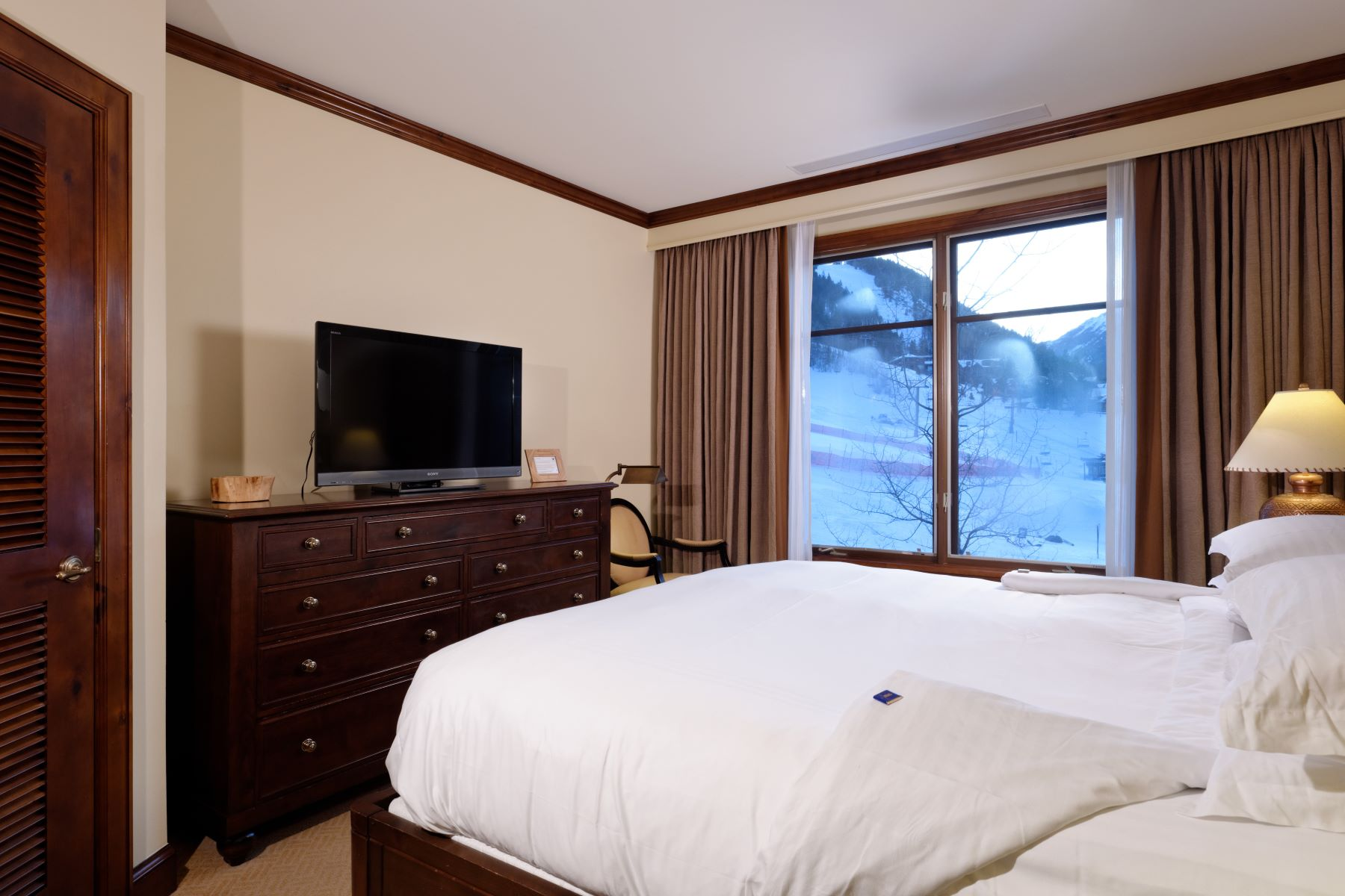 Additional photo for property listing at Fractional Ownership at the Ritz Carlton, Unit 2302, Winter Interest 9 0197 Prospector Road, Unit 2302, Winter Interest #9 Unit TA 2302 Aspen, Colorado 81611 United States