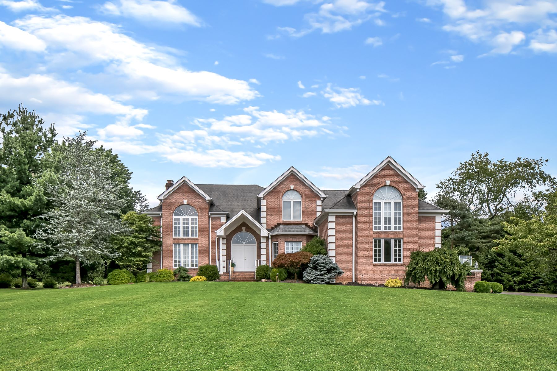Single Family Homes por un Venta en Magnificent Colonial 31 Beacon Hill Drive Chester, Nueva Jersey 0730 Estados Unidos