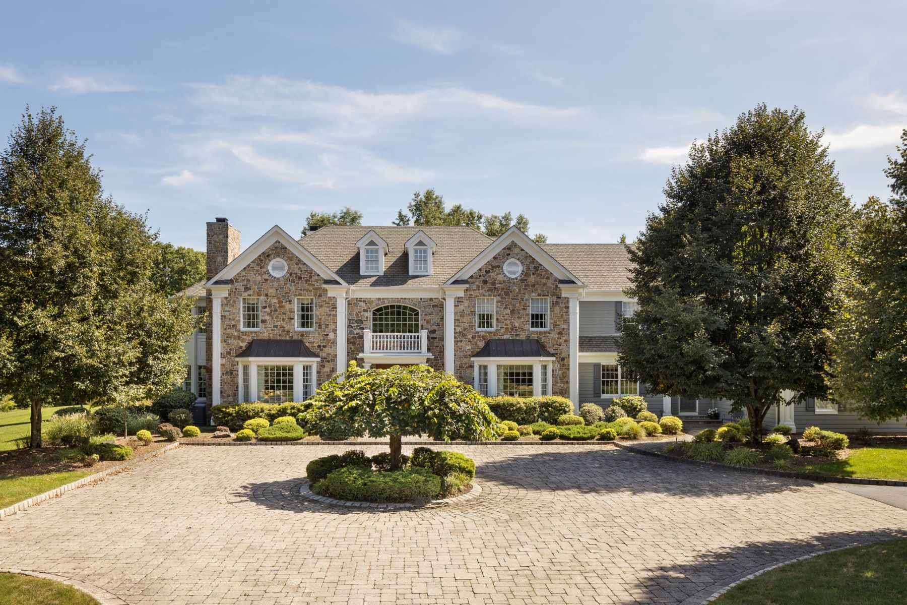 Single Family Homes for Sale at Exceptional Custom Residence 17 Beaver Creek Court, Basking Ridge, New Jersey 07920 United States