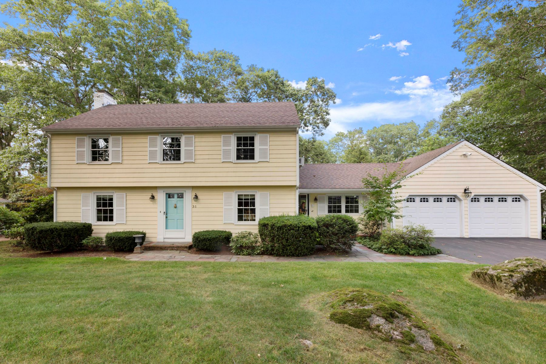 Single Family Homes pour l Vente à 31 Wagon Wheel Road, North Attleboro 31 Wagon Wheel Road North Attleboro, Massachusetts 02760 États-Unis
