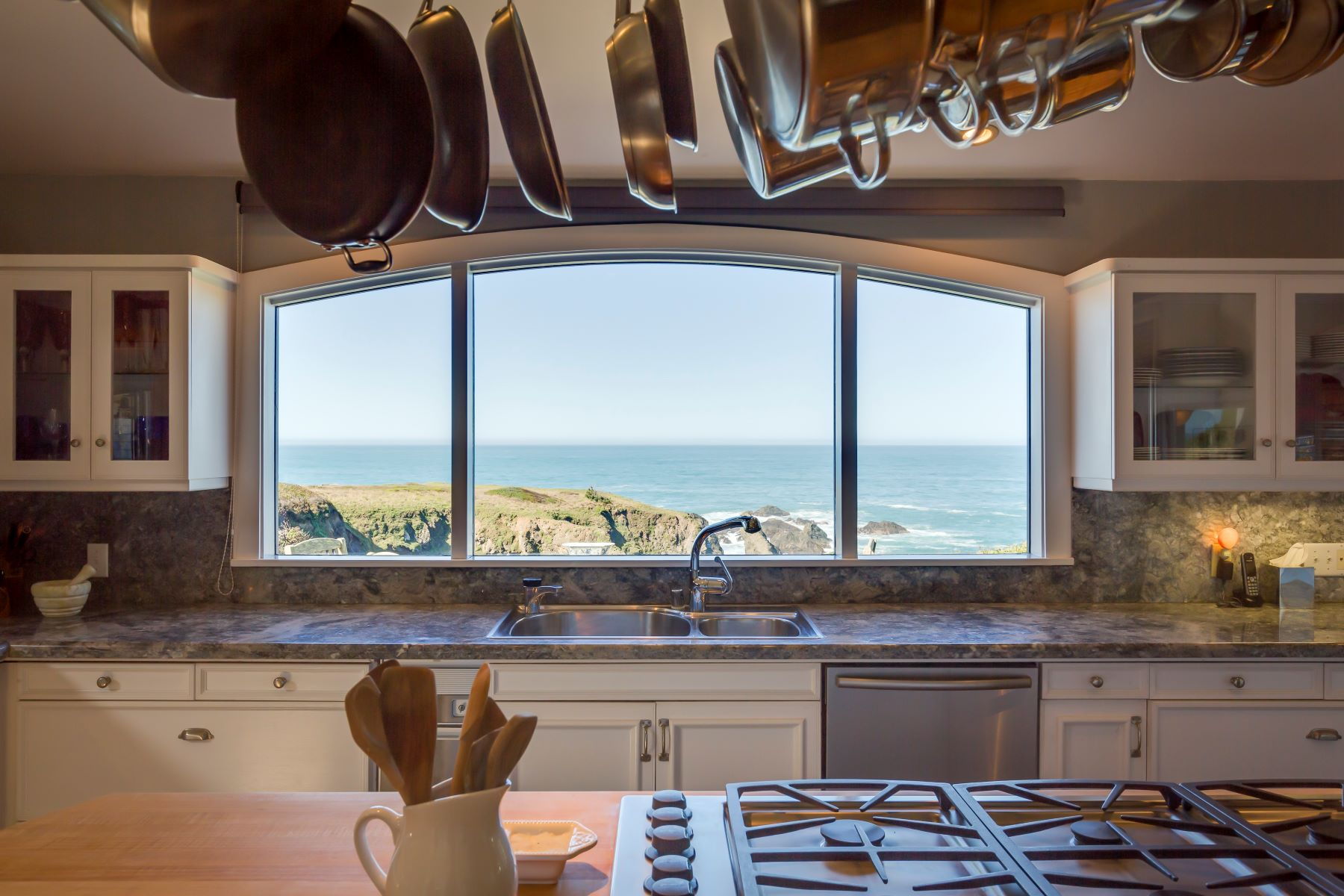 Additional photo for property listing at Sunset Cove 45275 Mar Vista Drive Mendocino, California 95460 United States