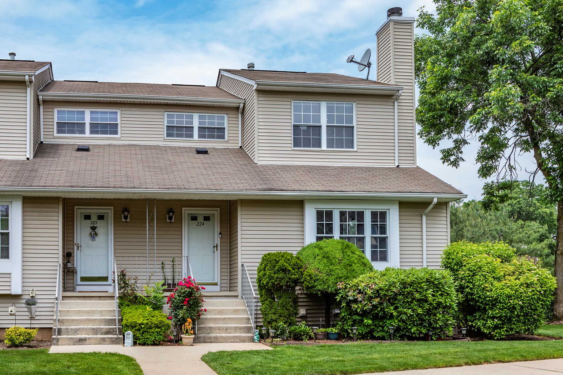 Beautifully Updated End-Unit 224 Driscoll Court, Somerset, New Jersey 08873 Vereinigte Staaten