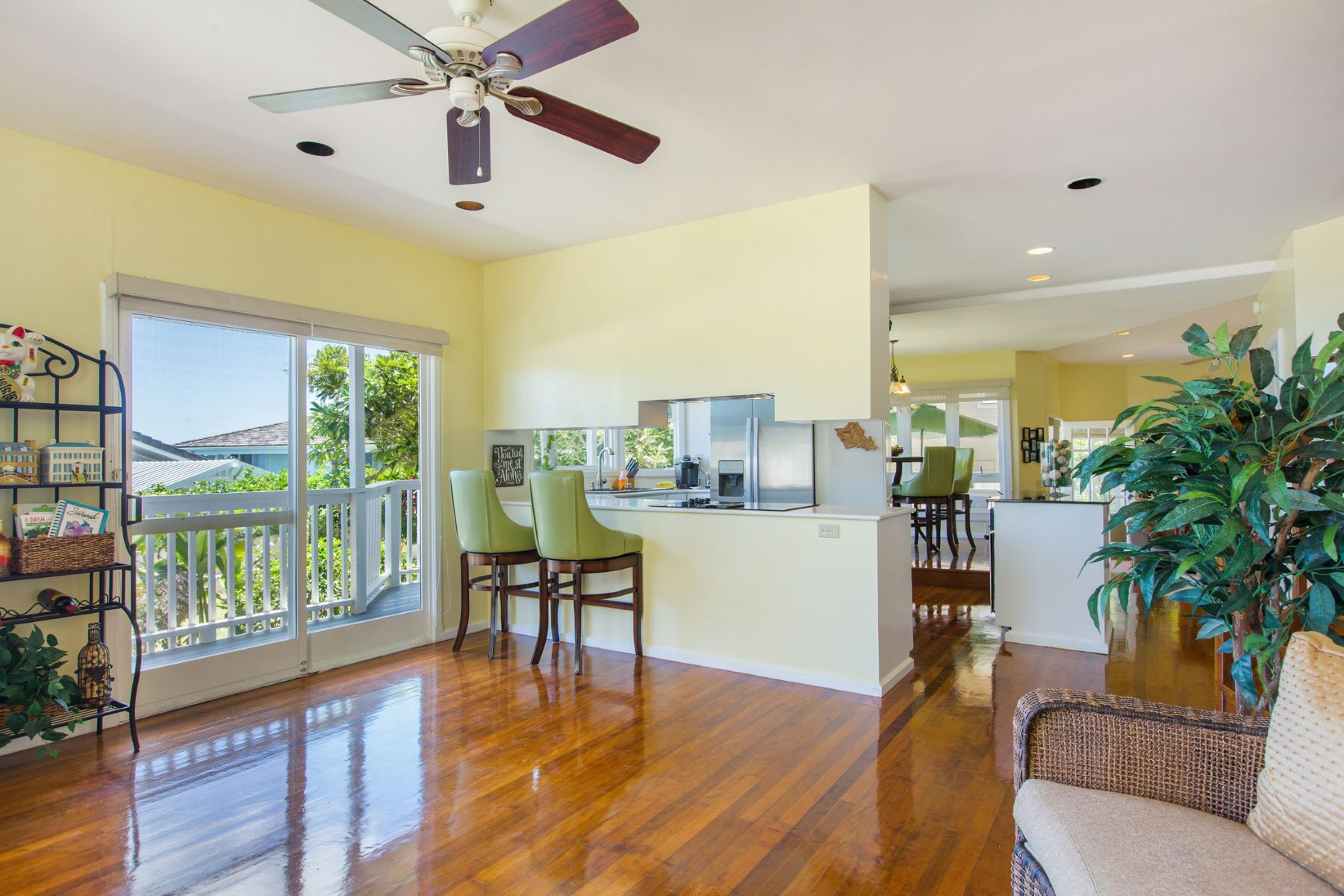 Additional photo for property listing at Charm and Elegance with Ocean Views 46-058 Ipuka Street Kaneohe, Hawaii 96744 United States