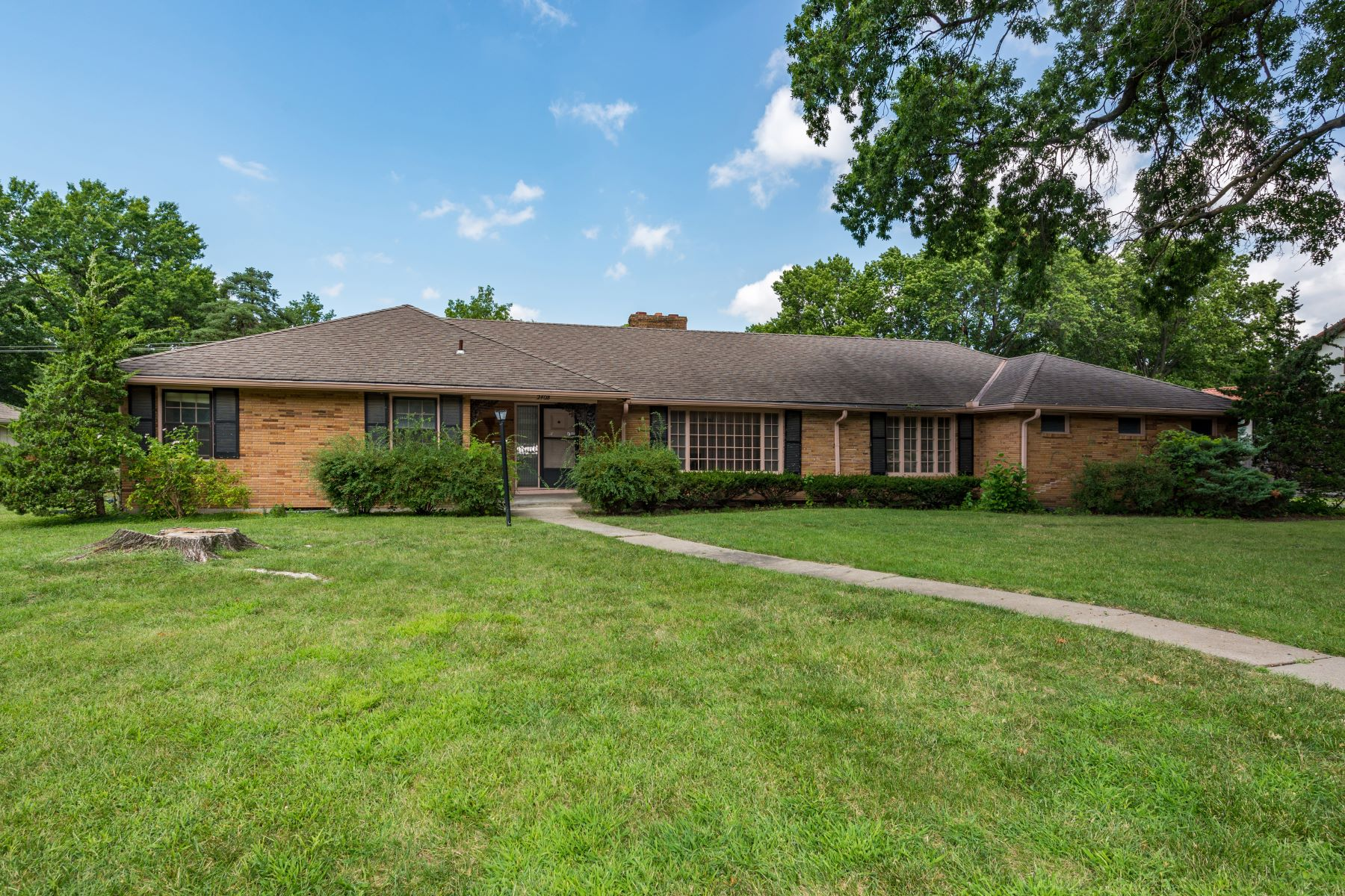 Single Family Homes for Active at Incredible Opportunity in Sagamore Hills 2408 w 69th Street Mission Hills, Kansas 66208 United States