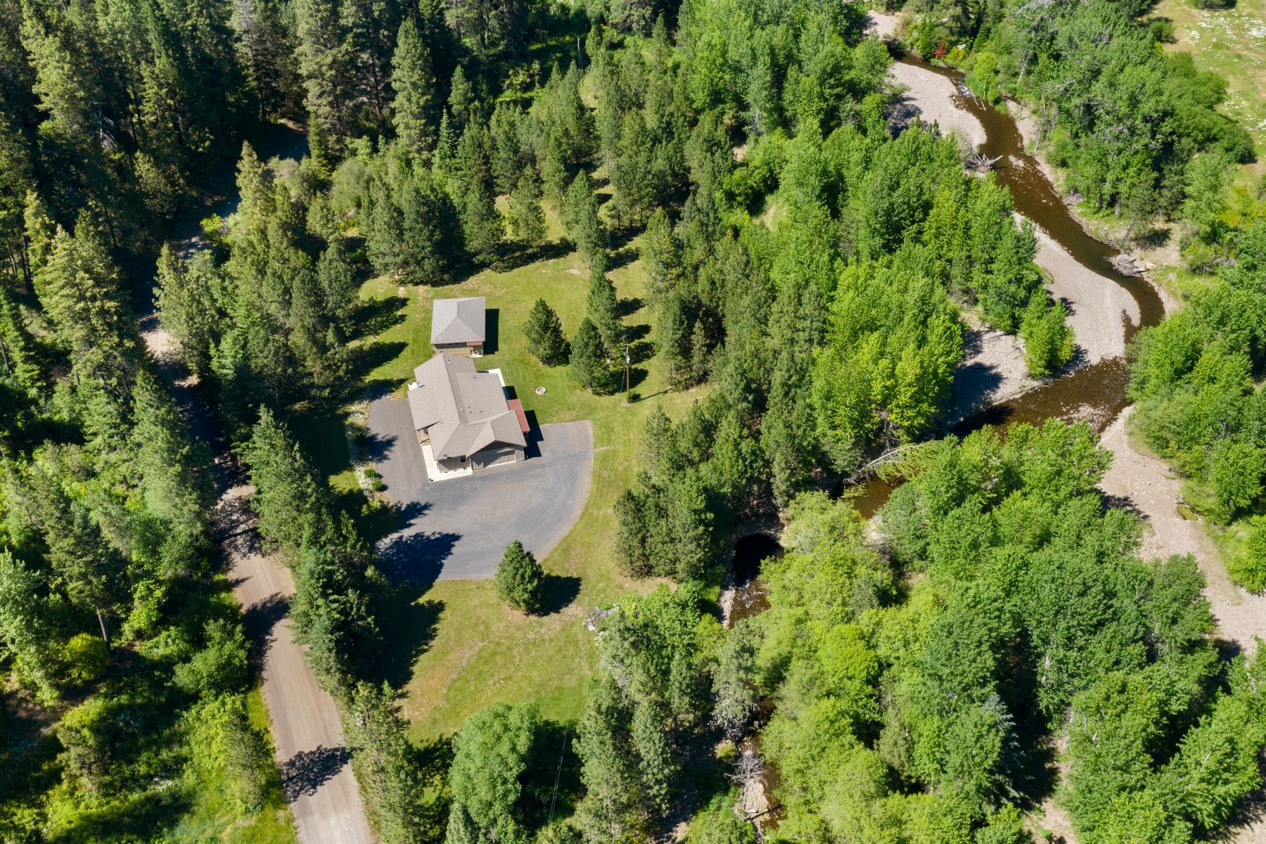 Single Family Homes for Sale at Your own private retreat 805 S Touchet Road Dayton, Washington 99328 United States