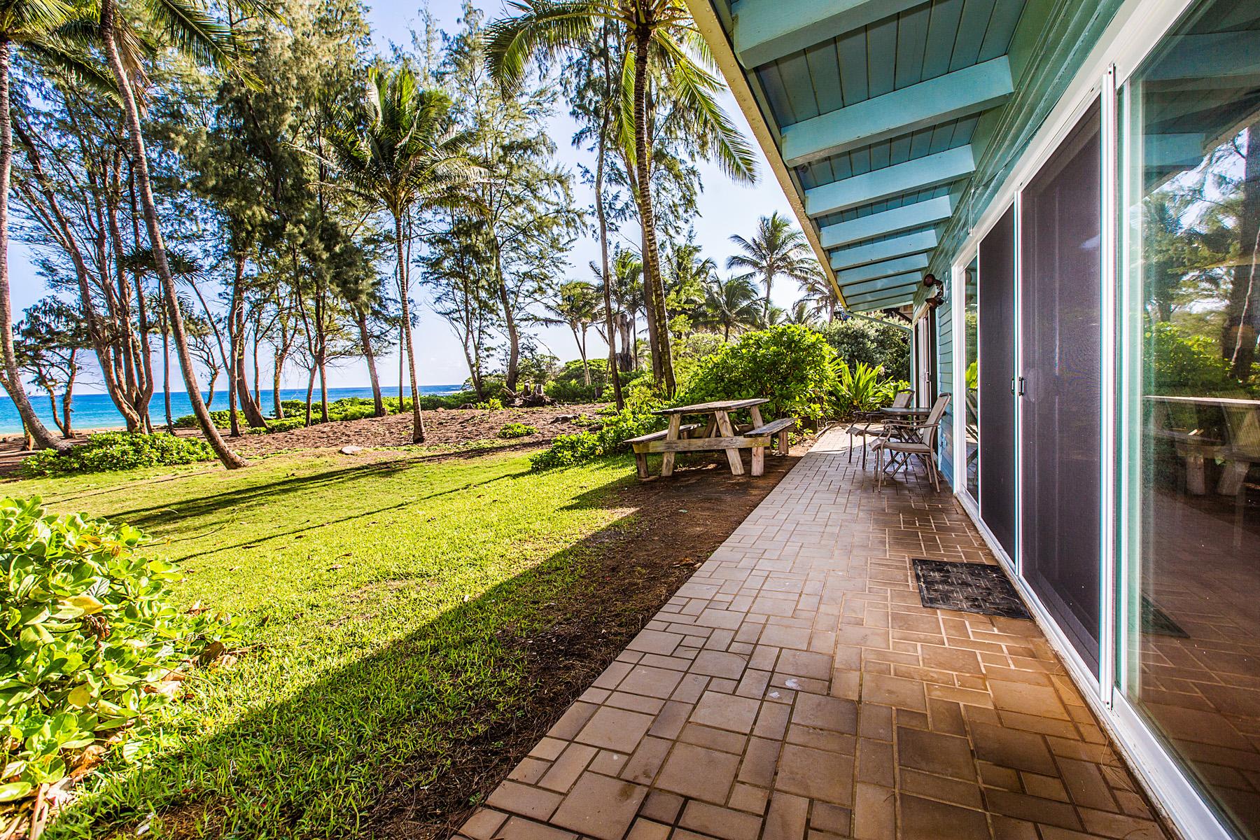Single Family Homes för Försäljning vid Anahola Beach House 4274 Poha Road, Anahola, Hawaii 96703 Förenta staterna