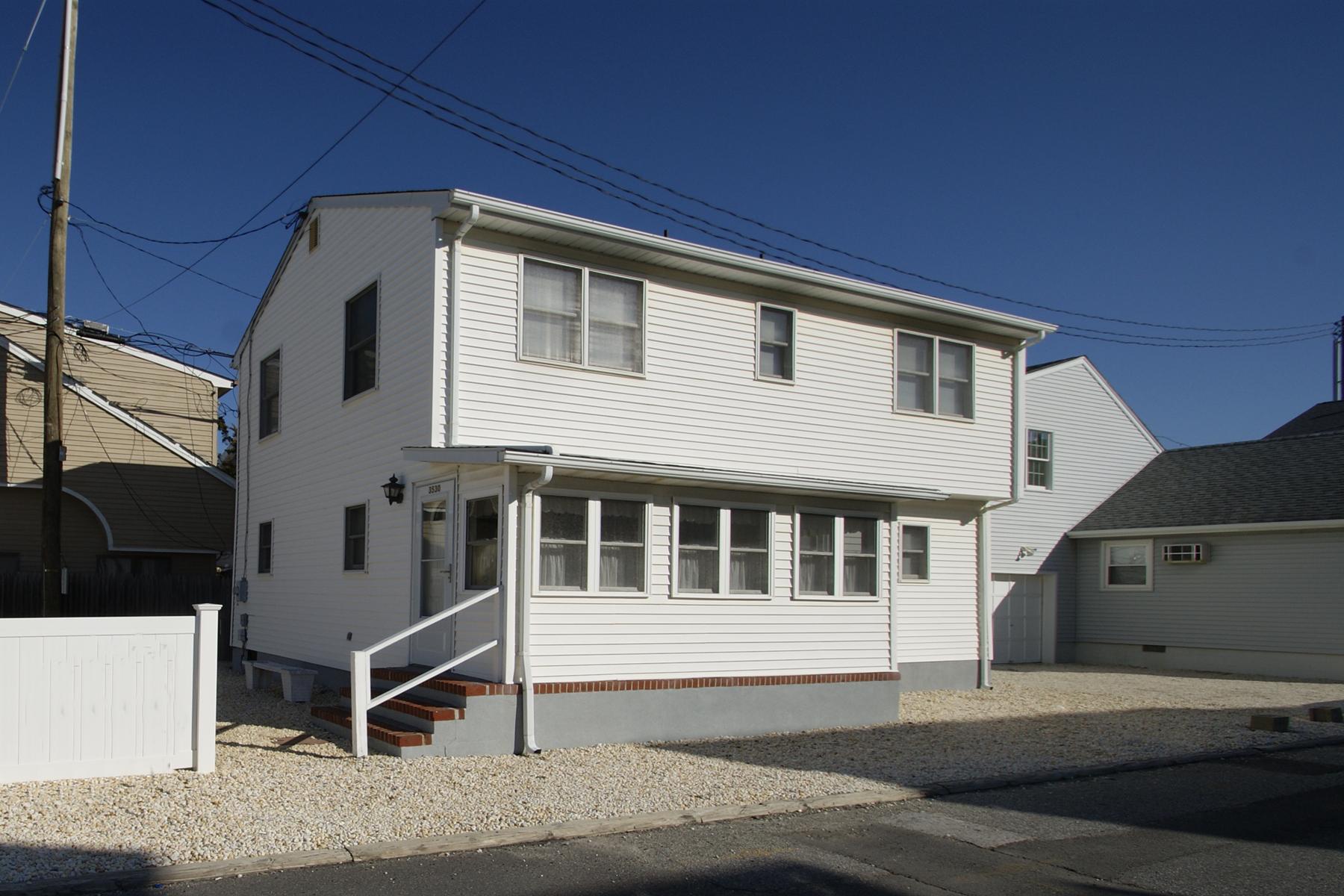 Casa Unifamiliar por un Venta en Silver Beach Oceanblock Home 3530 Route 35 N, Lavallette, Nueva Jersey 08735 Estados Unidos