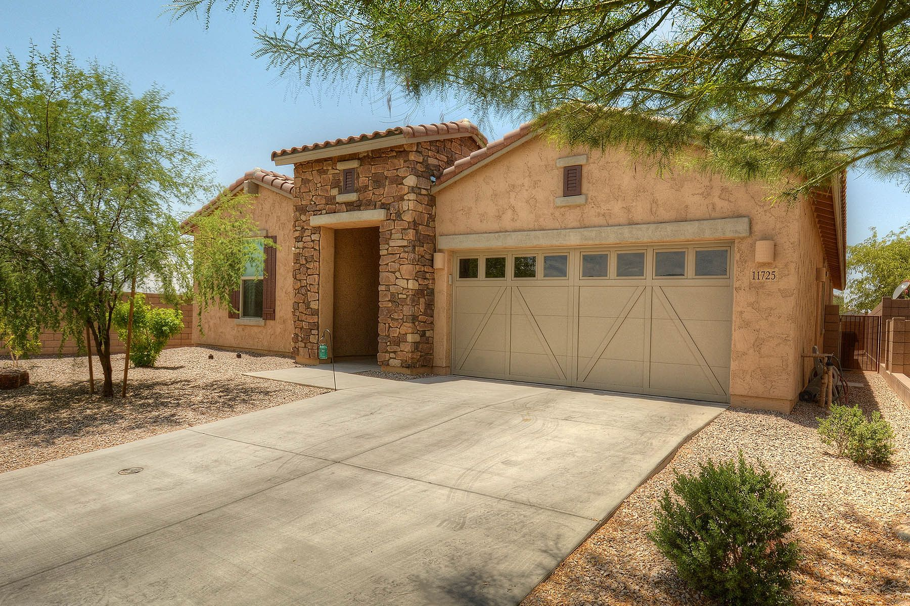 Single Family Home for Sale at Beautifully Appointed 4 Bedroom / 3 Bath Home 11725 N Sweet Orange Place Tucson, Arizona, 85742 United States