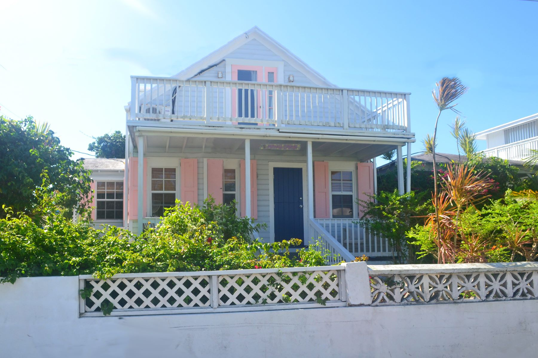 Vivienda unifamiliar por un Venta en Mermaid Cottage - Samuel Guy Pinder Road & 9th Str Samuel Guy & 9th Street Spanish Wells, Eleuthera 0 Bahamas