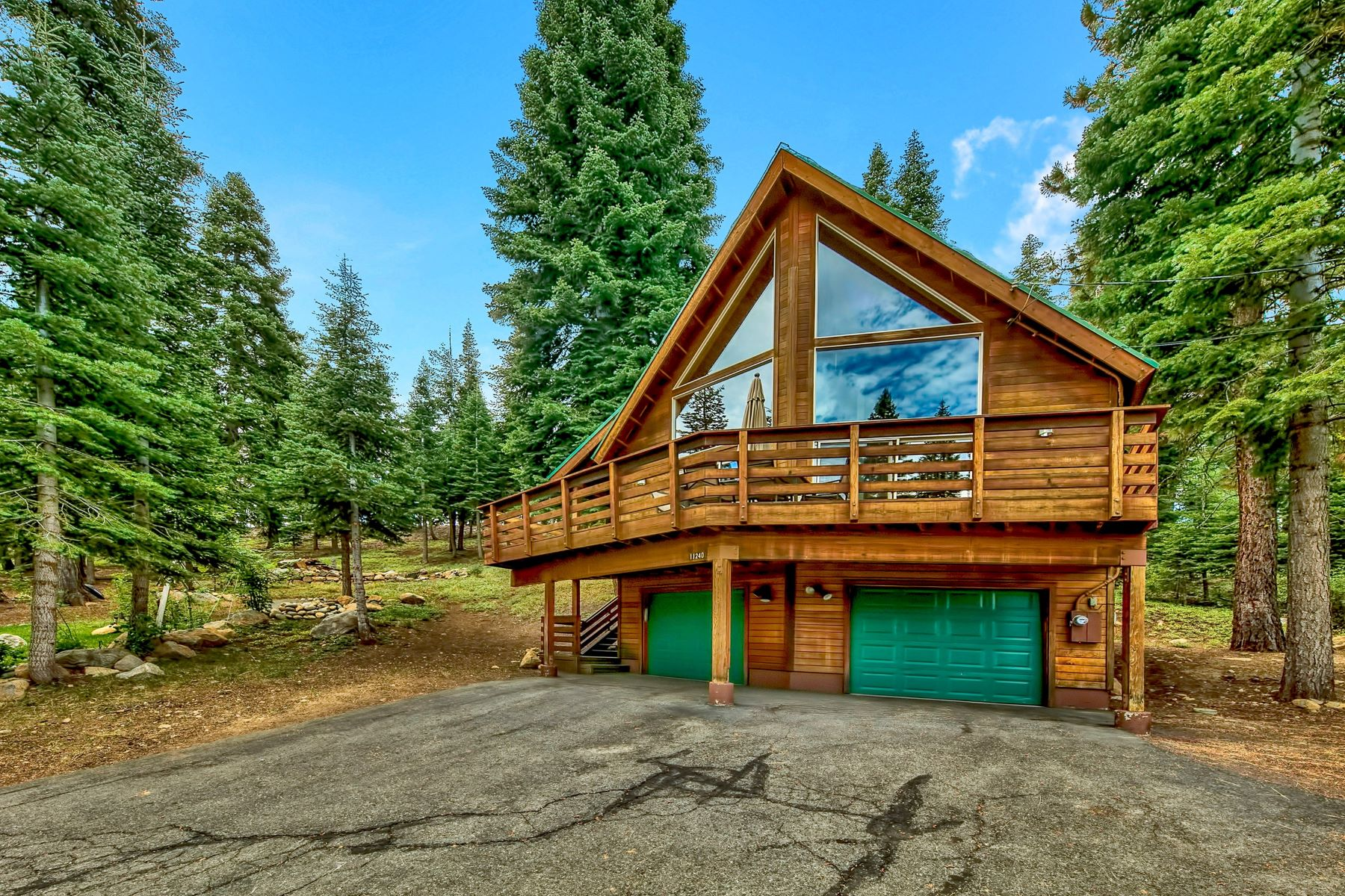 Single Family Homes for Active at 11240 Skislope Way, Truckee, CA 11240 Skislope Way Truckee, California 96161 United States