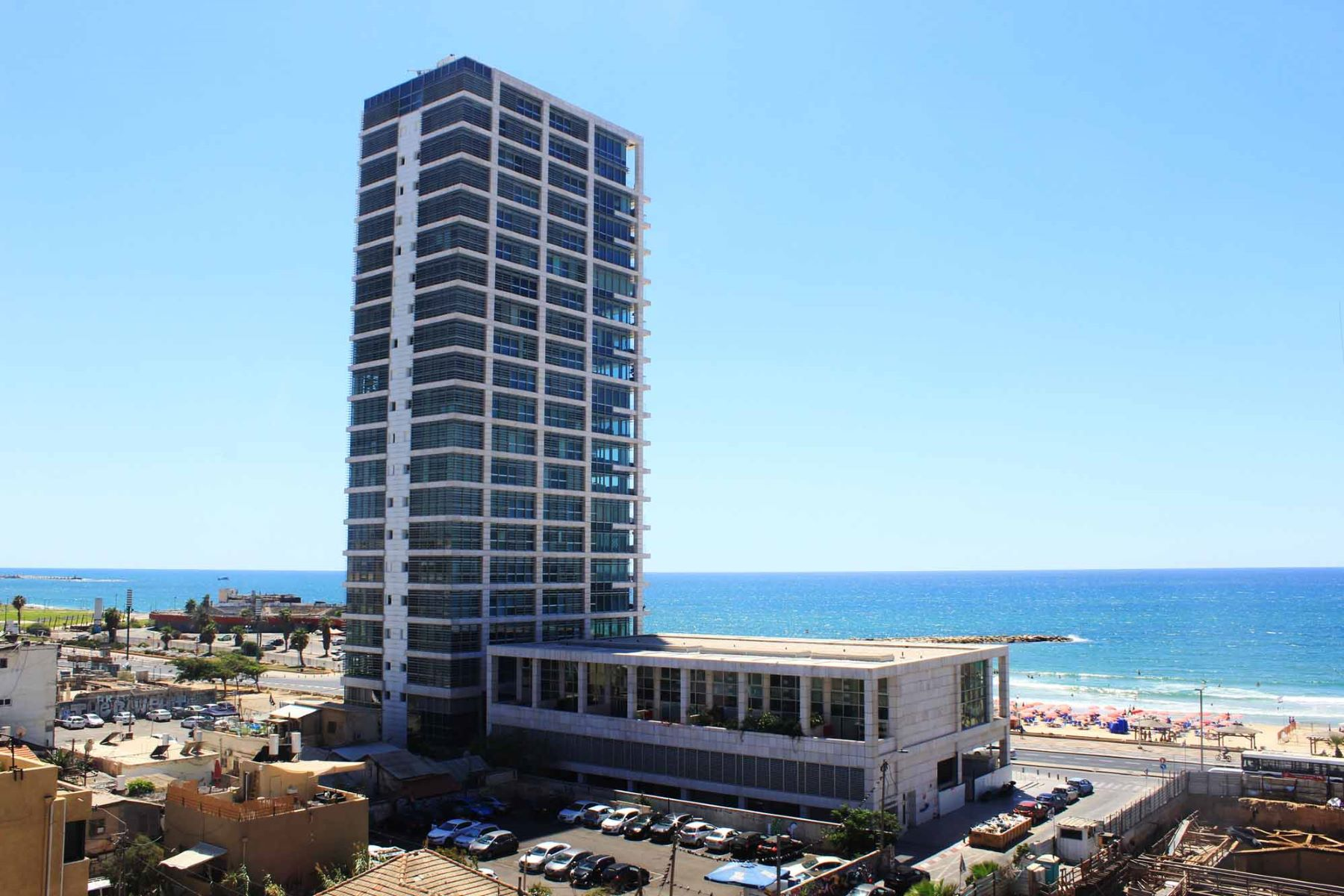 Additional photo for property listing at Serene Duplex Penthouse With Panoramic Sea Views Tel Aviv, Israel Israel