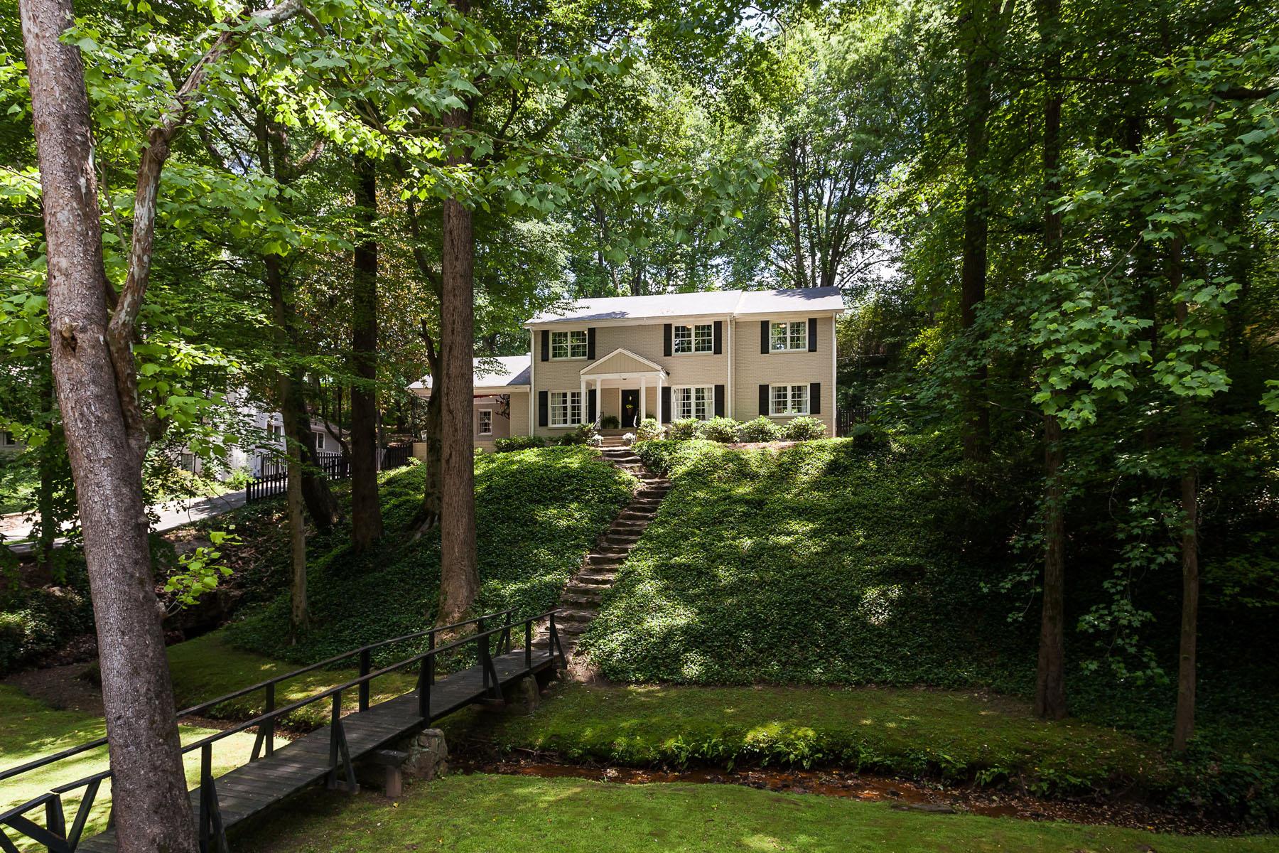 獨棟家庭住宅 為 出售 在 Walk to Sarah Smith Elementary 3837 Land O Lakes Dr North Buckhead, Atlanta, 喬治亞州, 30342 美國