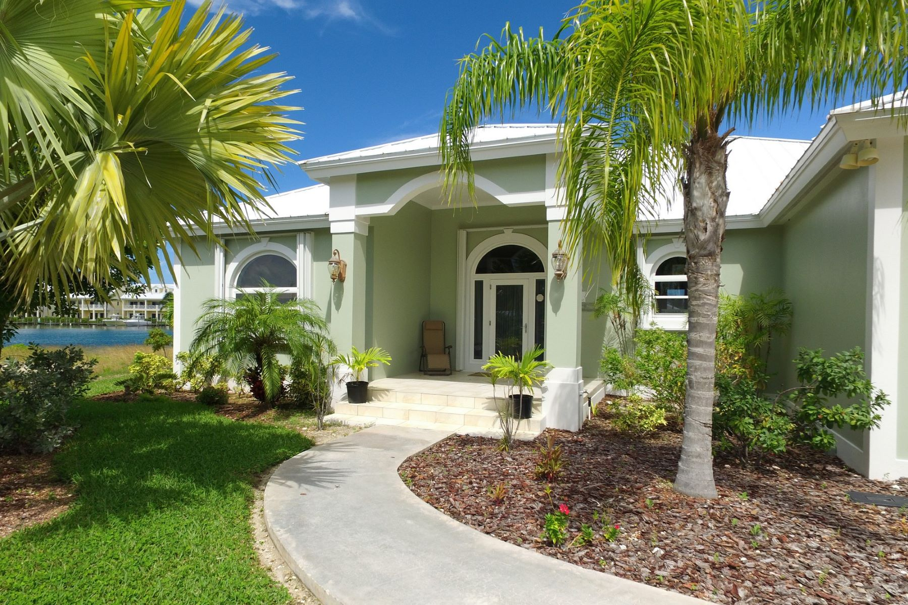 Single Family Home for Sale at King's Retreat Treasure Cay, Abaco Bahamas