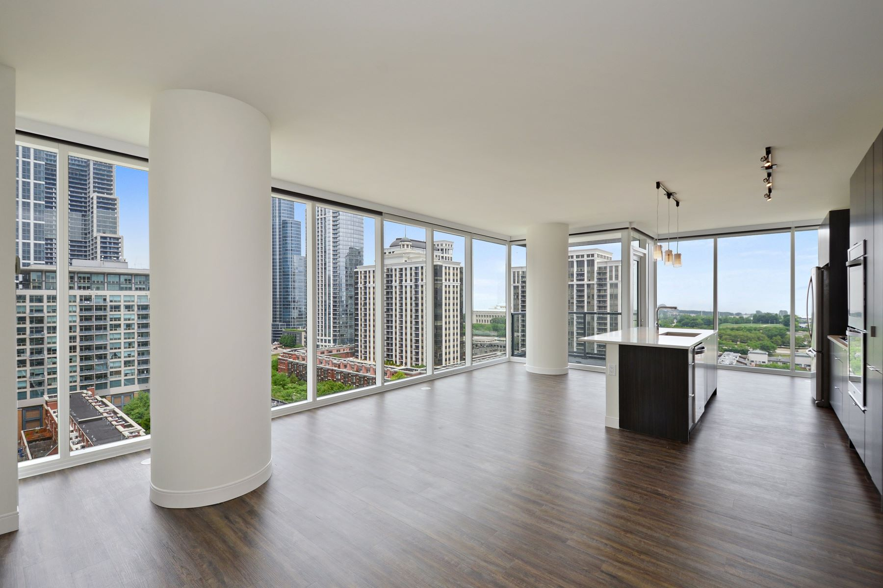 Condominiums for Rent at Luxury South Loop Rental 1407 S Michigan Avenue Unit 1519 Chicago, Illinois 60605 United States