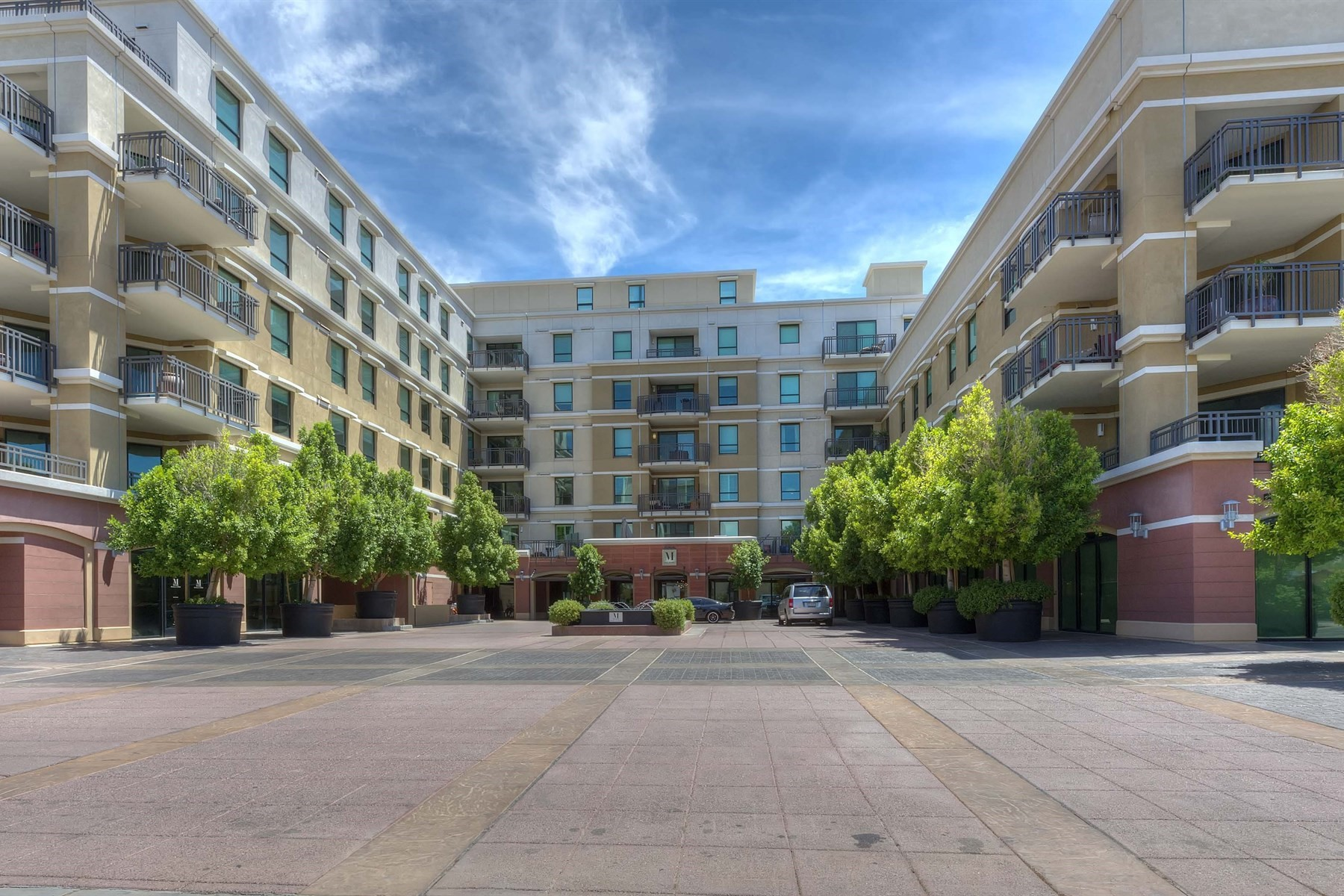 Apartamento para Venda às Luxury condominiums in The Mark 6803 E Main St #1105 Scottsdale, Arizona, 85251 Estados Unidos