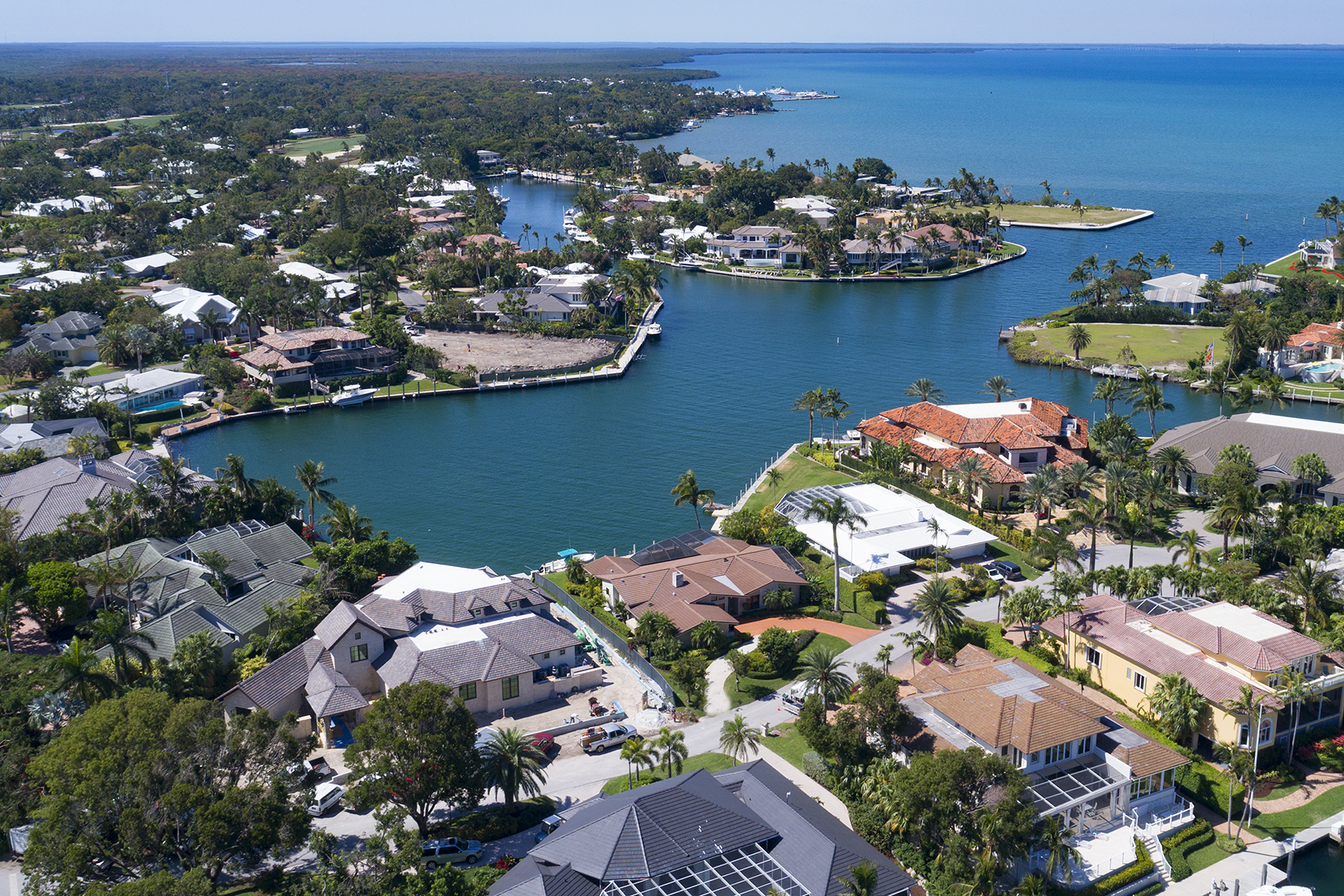 Single Family Homes for Sale at 3 Knoll Lane, Key Largo, FL 3 Knoll Lane Key Largo, Florida 33037 United States