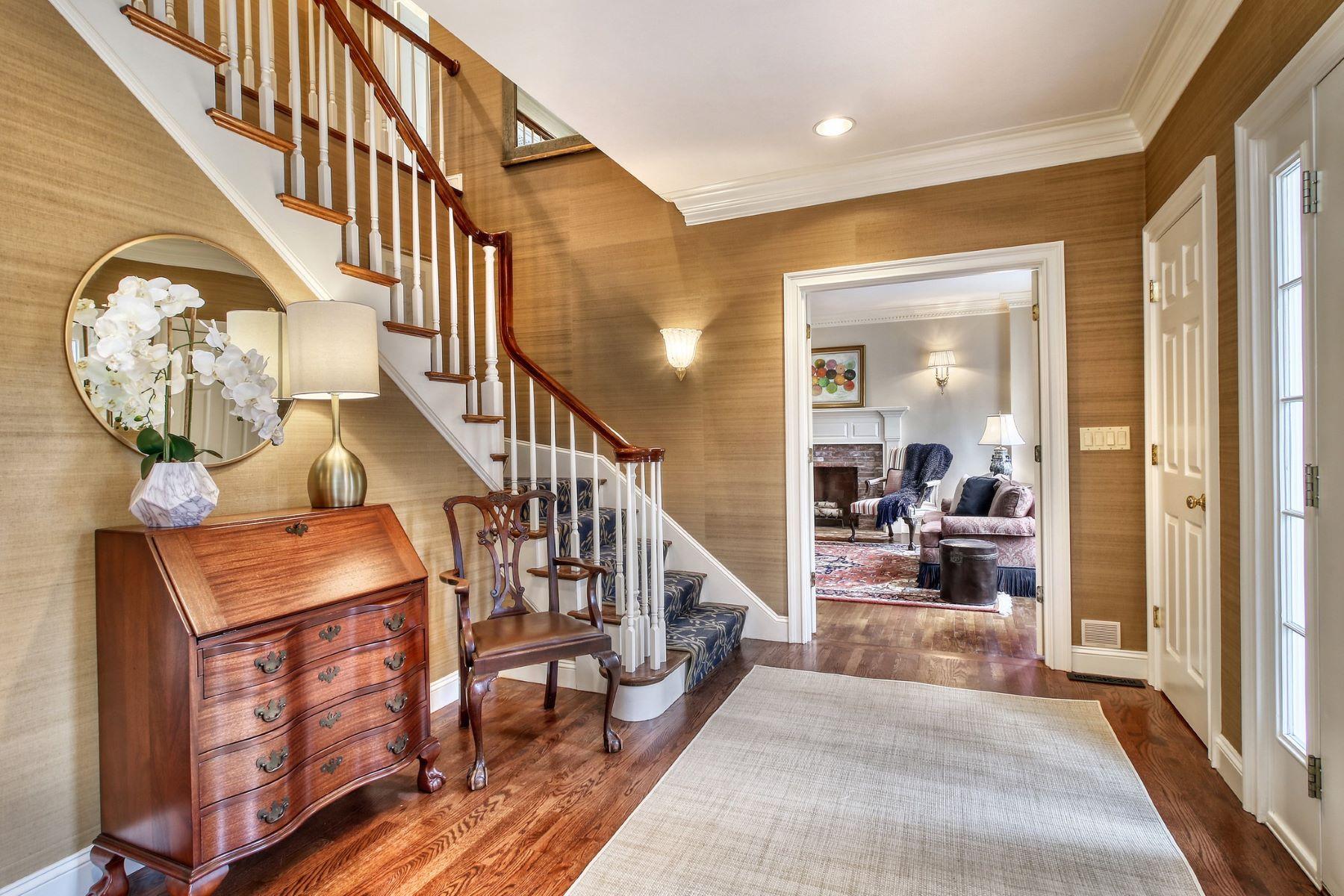 Single Family Homes for Sale at 8 Carmel Circle, Lexington 8 Carmel Cir Lexington, Massachusetts 02421 United States