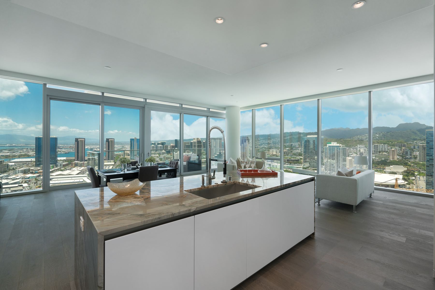 Additional photo for property listing at Stunning Waiea Penthouse 1118 Ala Moana Boulevard #PH 3203 Honolulu, Hawaii 96814 Vereinigte Staaten