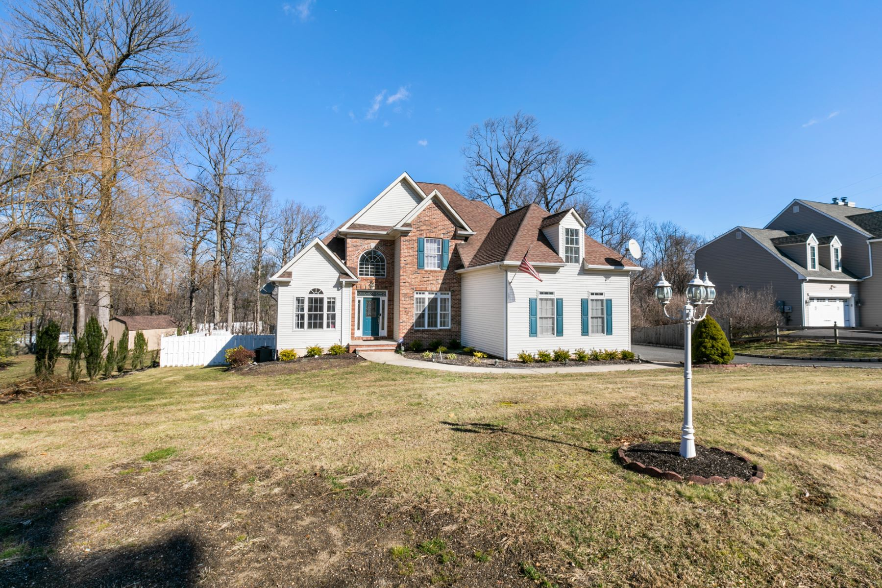 Single Family Homes for Sale at Elegant Center Hall Colonial 19 Highmount Avenue Warren, New Jersey 07059 United States
