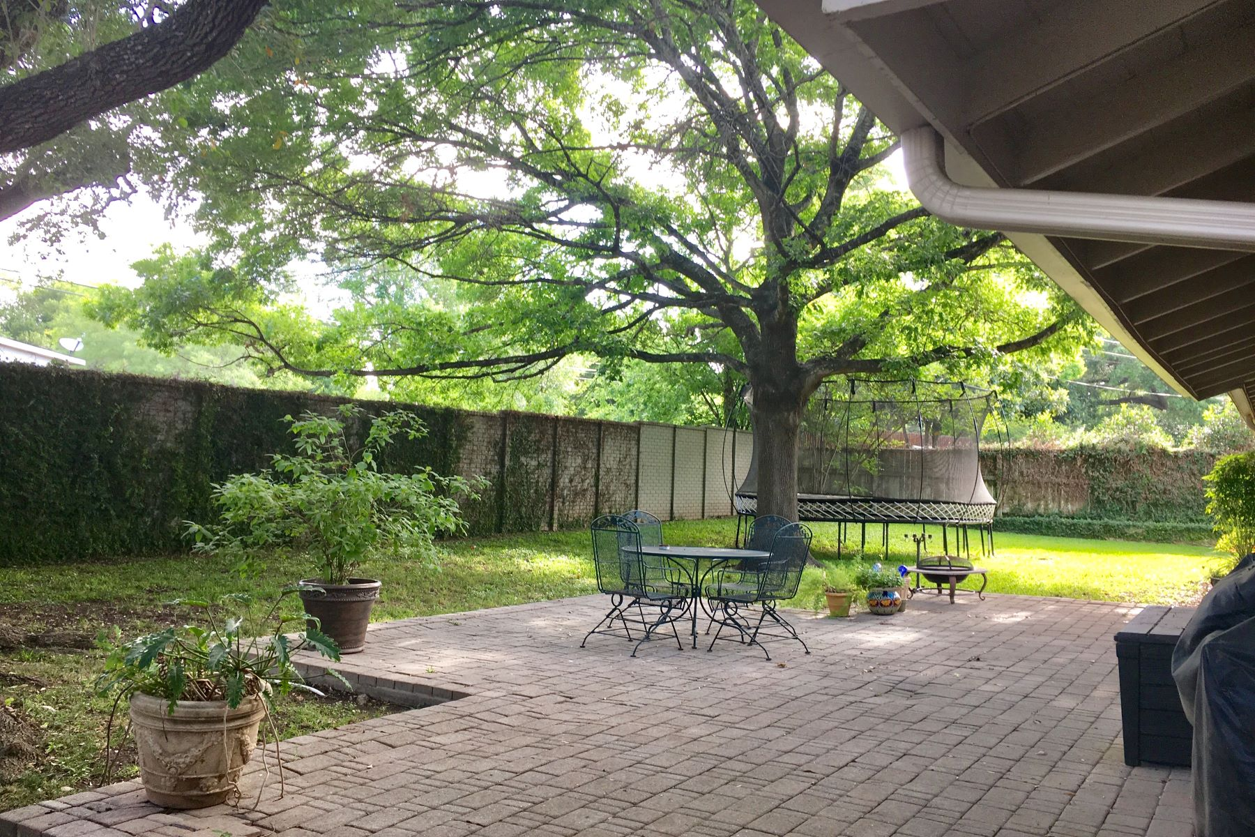 Additional photo for property listing at 2303 Briarwood 2303 Briarwood San Antonio, Texas 78209 United States
