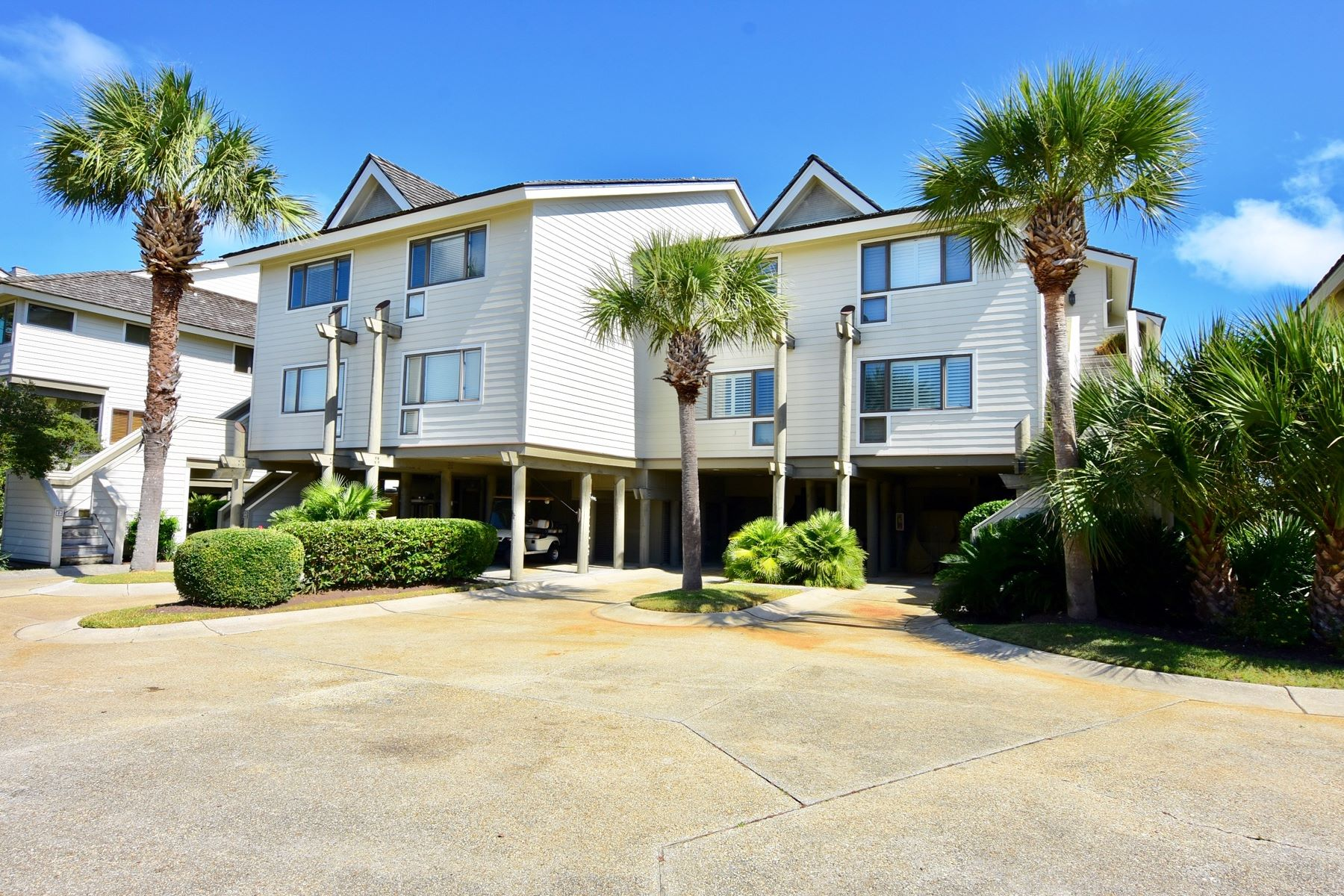 Townhouse for Sale at 1093 Debordieu Blvd, Georgetown, SC 29440 1093 Debordieu Blvd 13 Georgetown, South Carolina 29440 United States