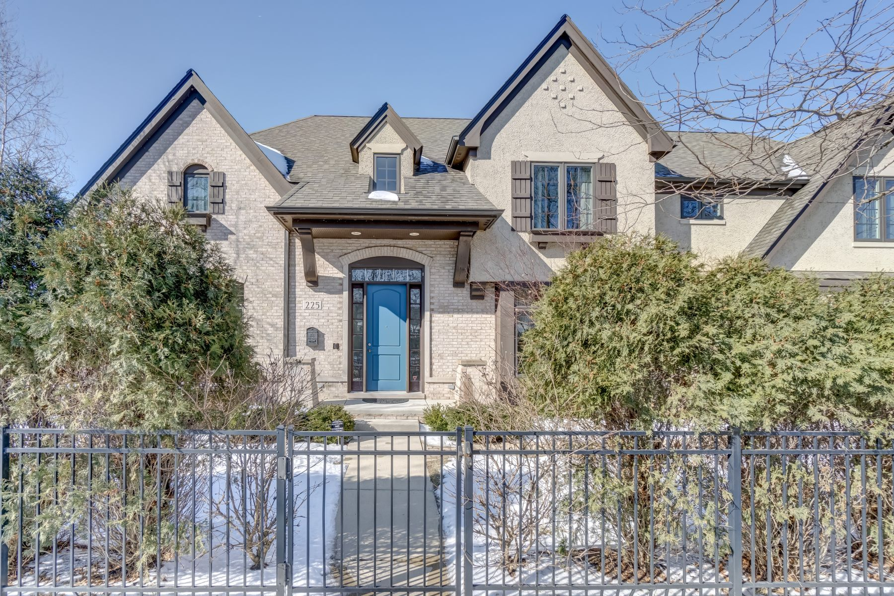 Single Family Home for Active at 225 Sheridan Road, Wilmette, IL 60091 225 Sheridan Road Wilmette, Illinois 60091 United States