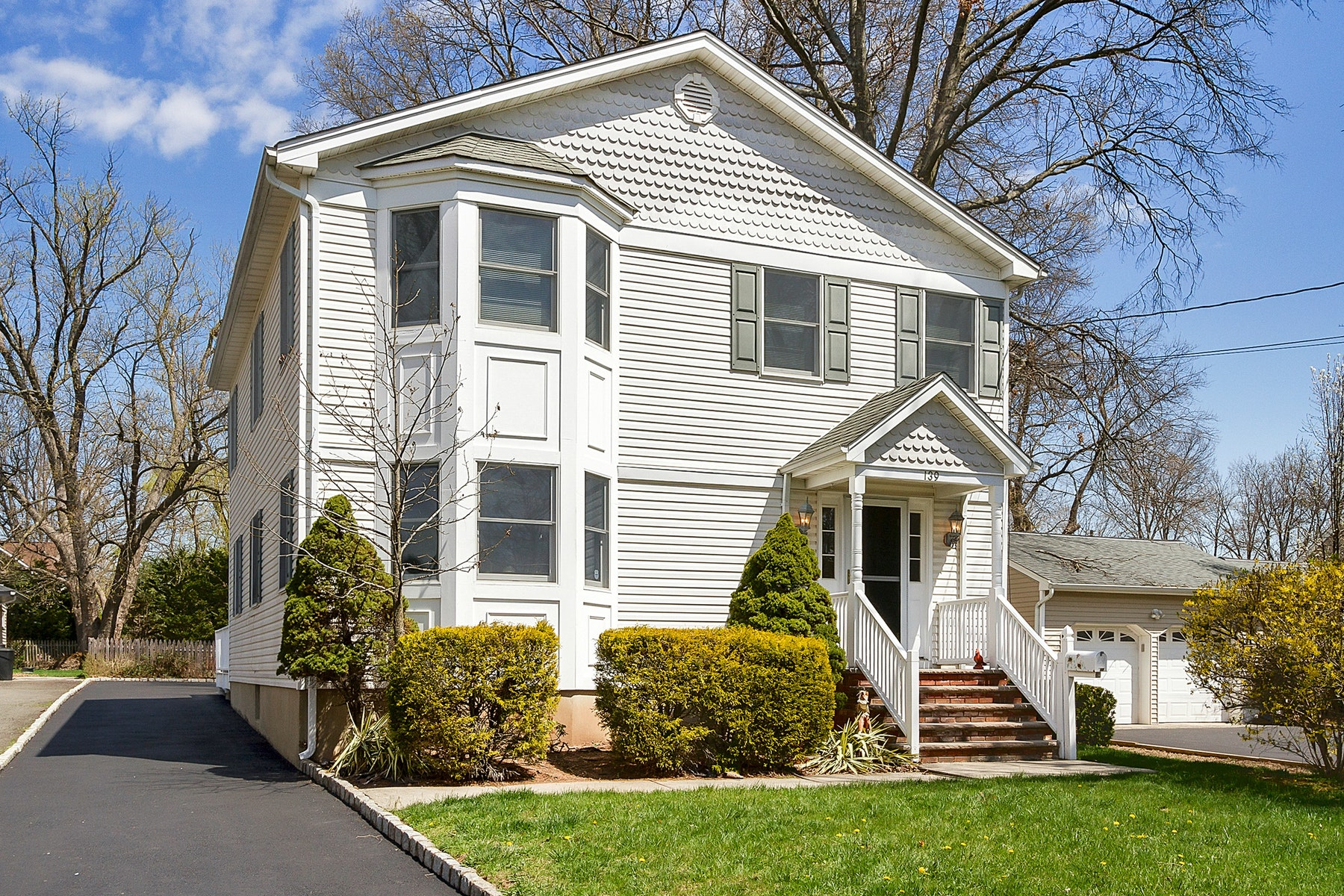 Single Family Home for Sale at Classic Colonial 139 Lamberts Mill Road Westfield, New Jersey, 07090 United States