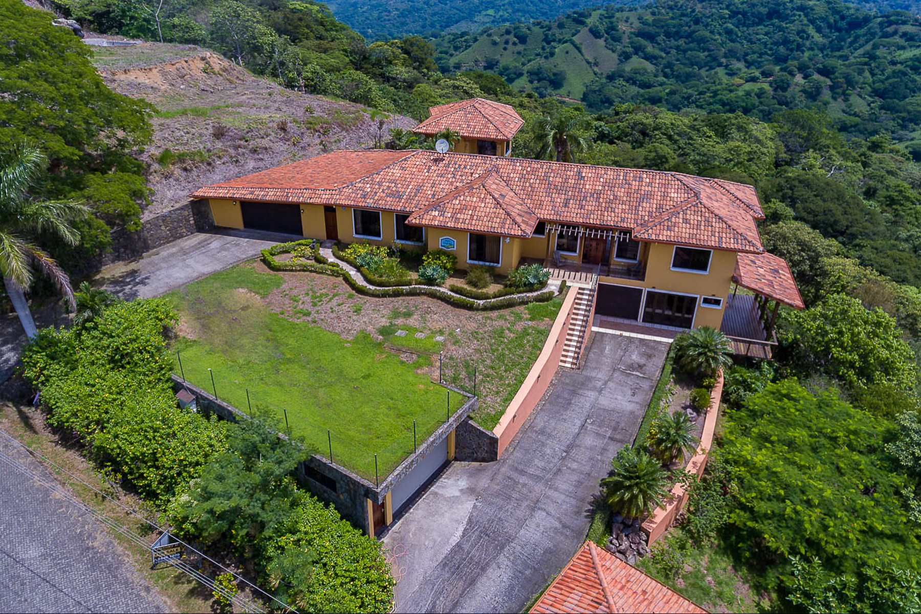 Single Family Homes por un Venta en Casa Magnífica, Orotina Orotina, Alajuela Costa Rica