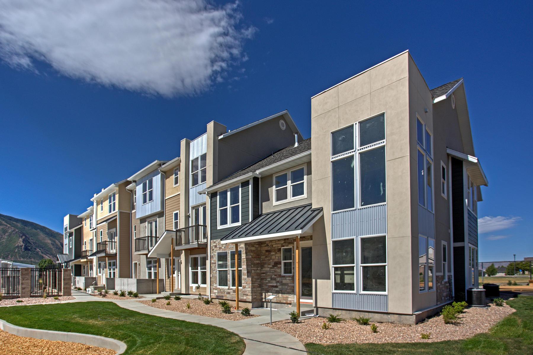 Maison en rangée pour l Vente à 4 Bedroom Hampton Floorplan in The Ridge at Spanish Fork 2574 E High Ridge Rd Spanish Fork, Utah, 84660 États-Unis