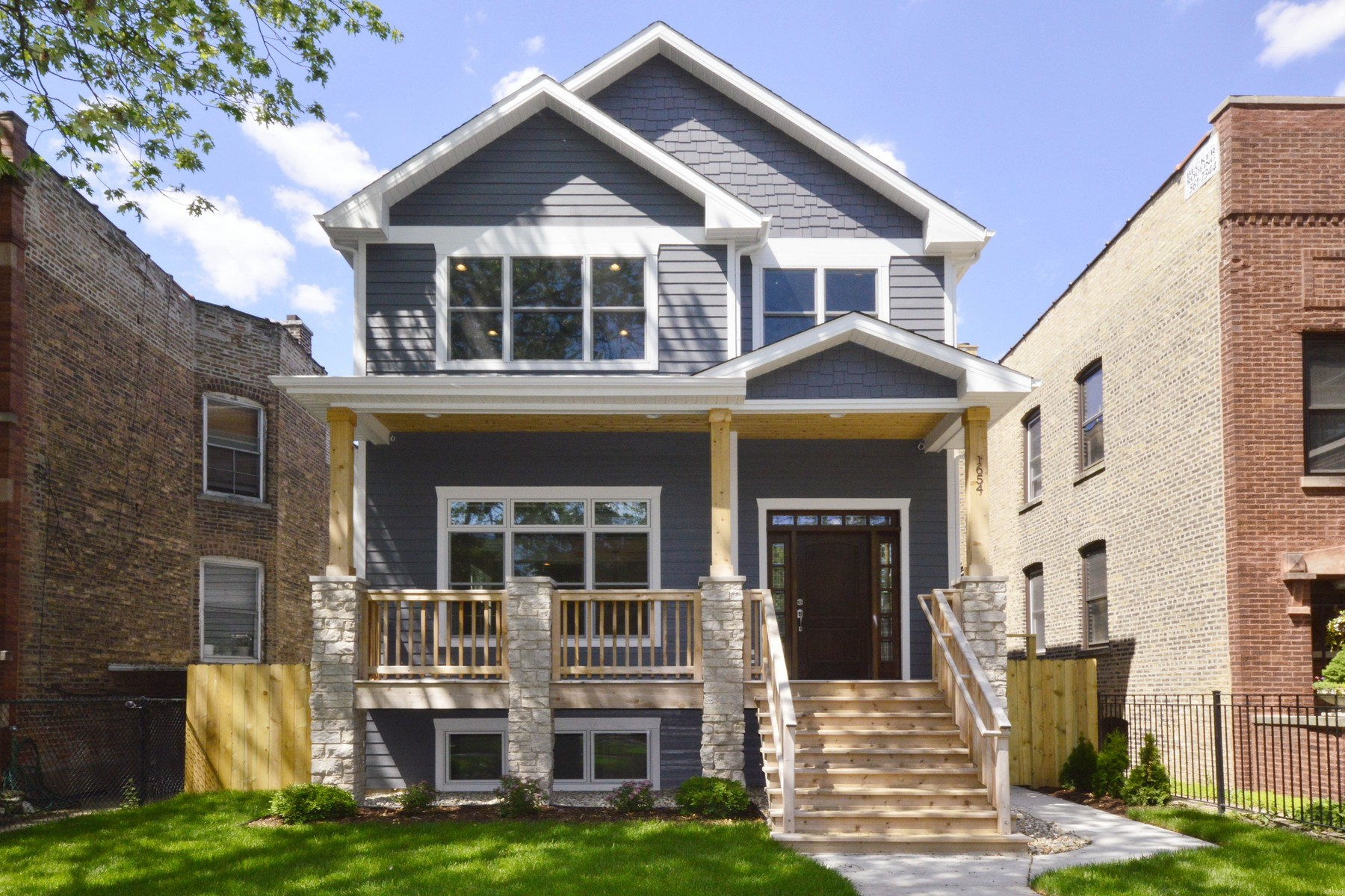 Single Family Home for Sale at Timeless and Beautiful Andersonville New Construction 1654 W Carmen Avenue Chicago, Illinois 60640 United States