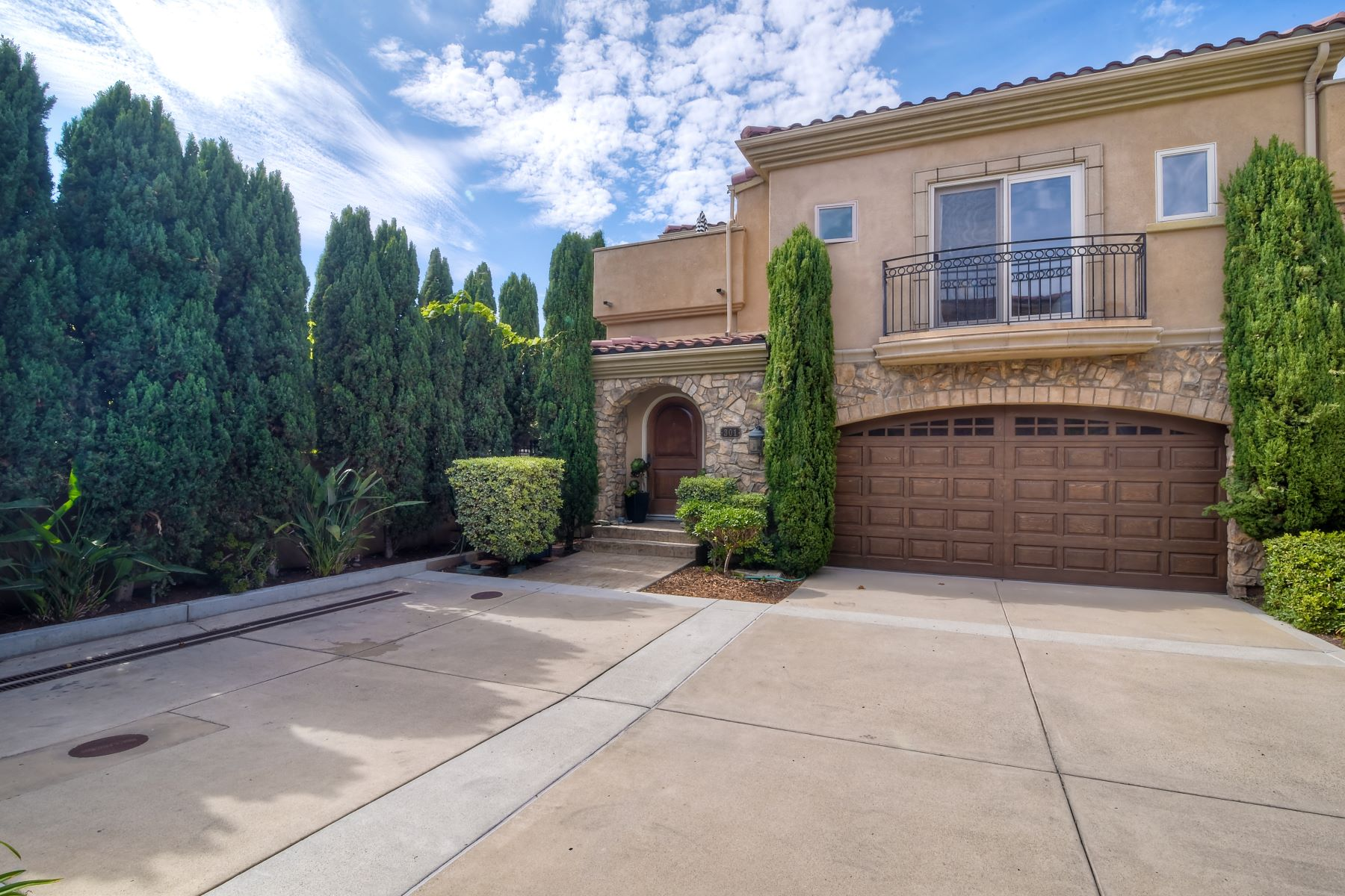 Single Family Homes for Sale at 301 N Rios Avenue Solana Beach, California 92075 United States