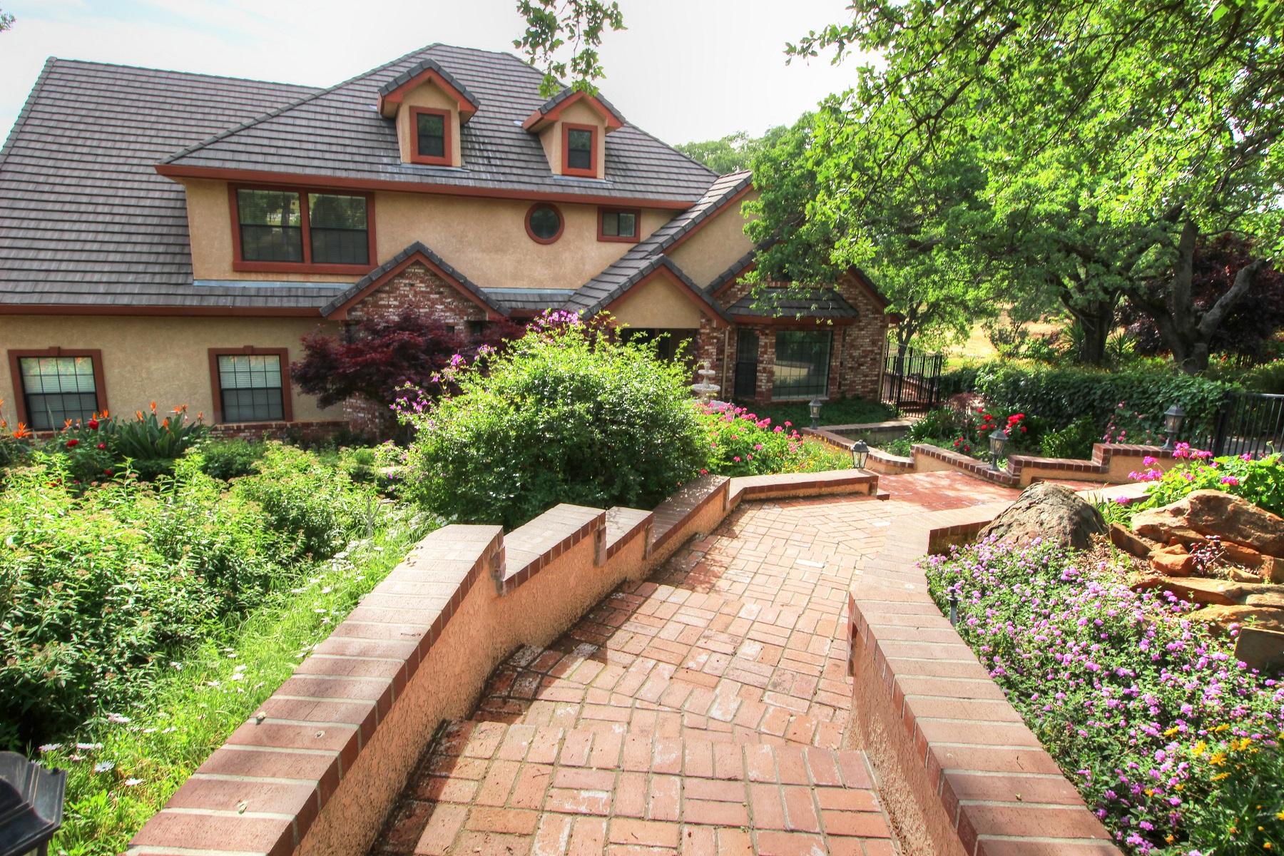 Maison unifamiliale pour l Vente à 1780 Dove Tail Lane, El Dorado Hills, CA 95762 El Dorado Hills, Californie 95762 États-Unis