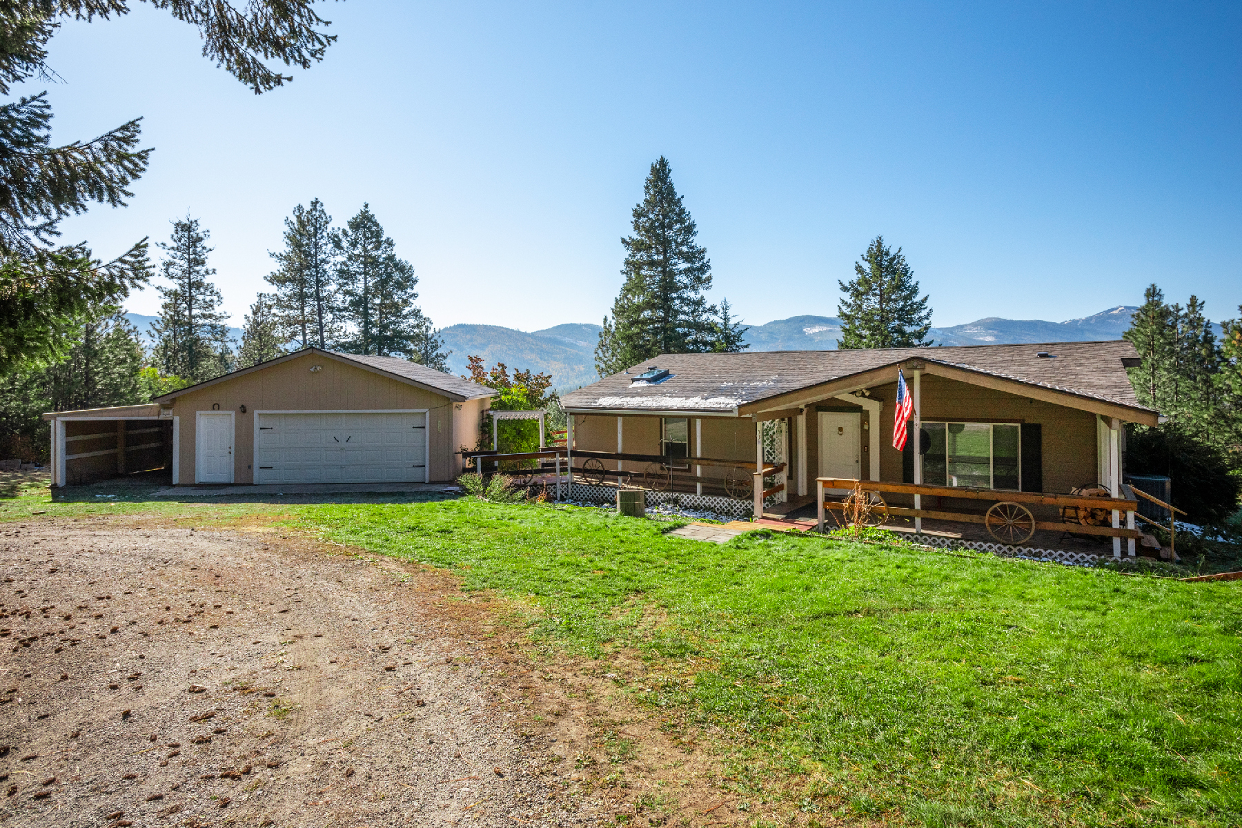 Single Family Homes for Sale at Lovely Home on Acre with Gorgeous Views 53 Short Blanchard, Idaho 83804 United States