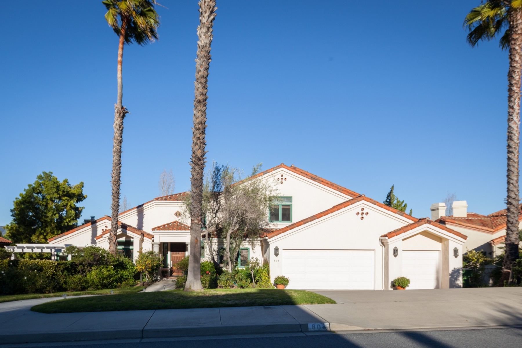 Casa para uma família para Venda às 7th Fairway Mediterranean Home 808 Greystone San Luis Obispo, Califórnia, 93401 Estados Unidos