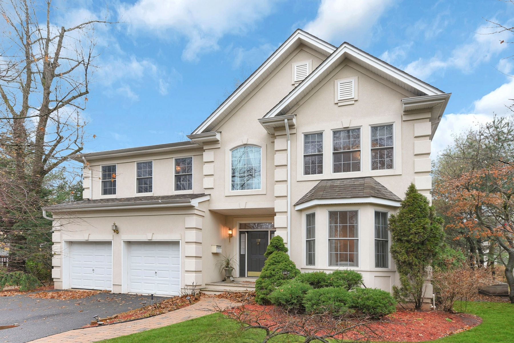 Single Family Homes for Sale at Stunning center colonial with 4 bed rooms and 3 and 1/2 bathroom 172 Crescent St, Closter, New Jersey 07624 United States